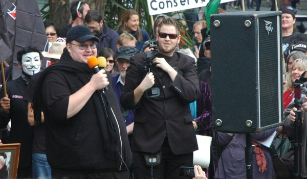 Kim Dotcom crowd