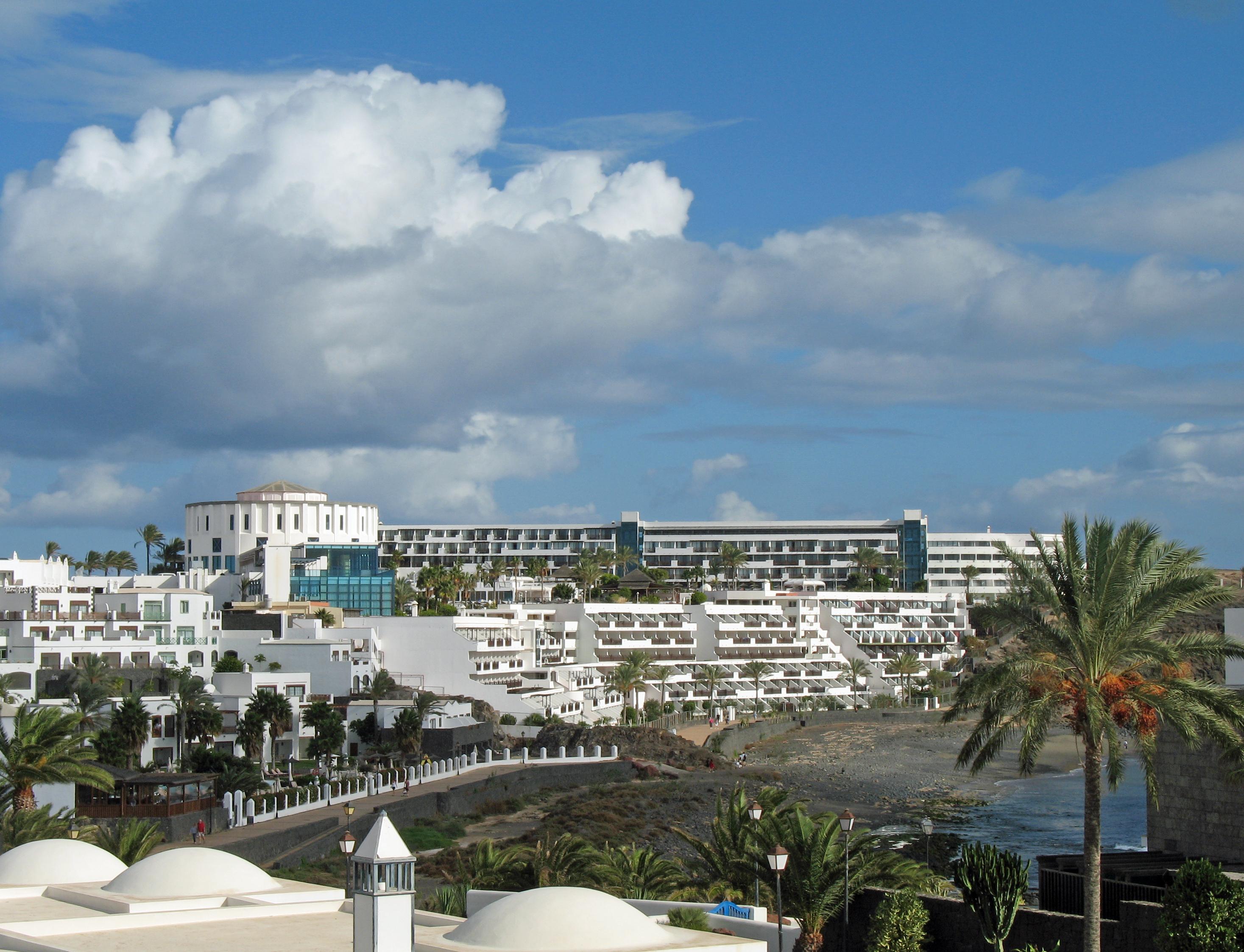 La playa resort a luxury naples florida beach resort for Hotels 02 arena