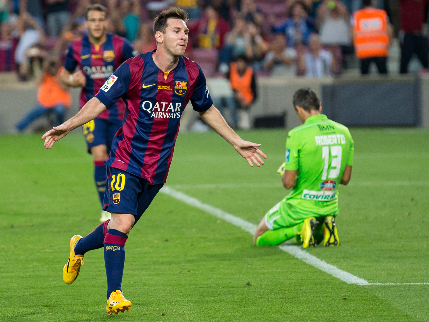 File:Leo Messi v Granada 2014 jpg - Wikimedia Commons