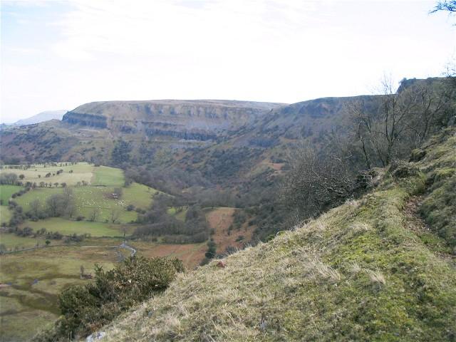 Llangattock Escarpment - geograph.org.uk - 713133