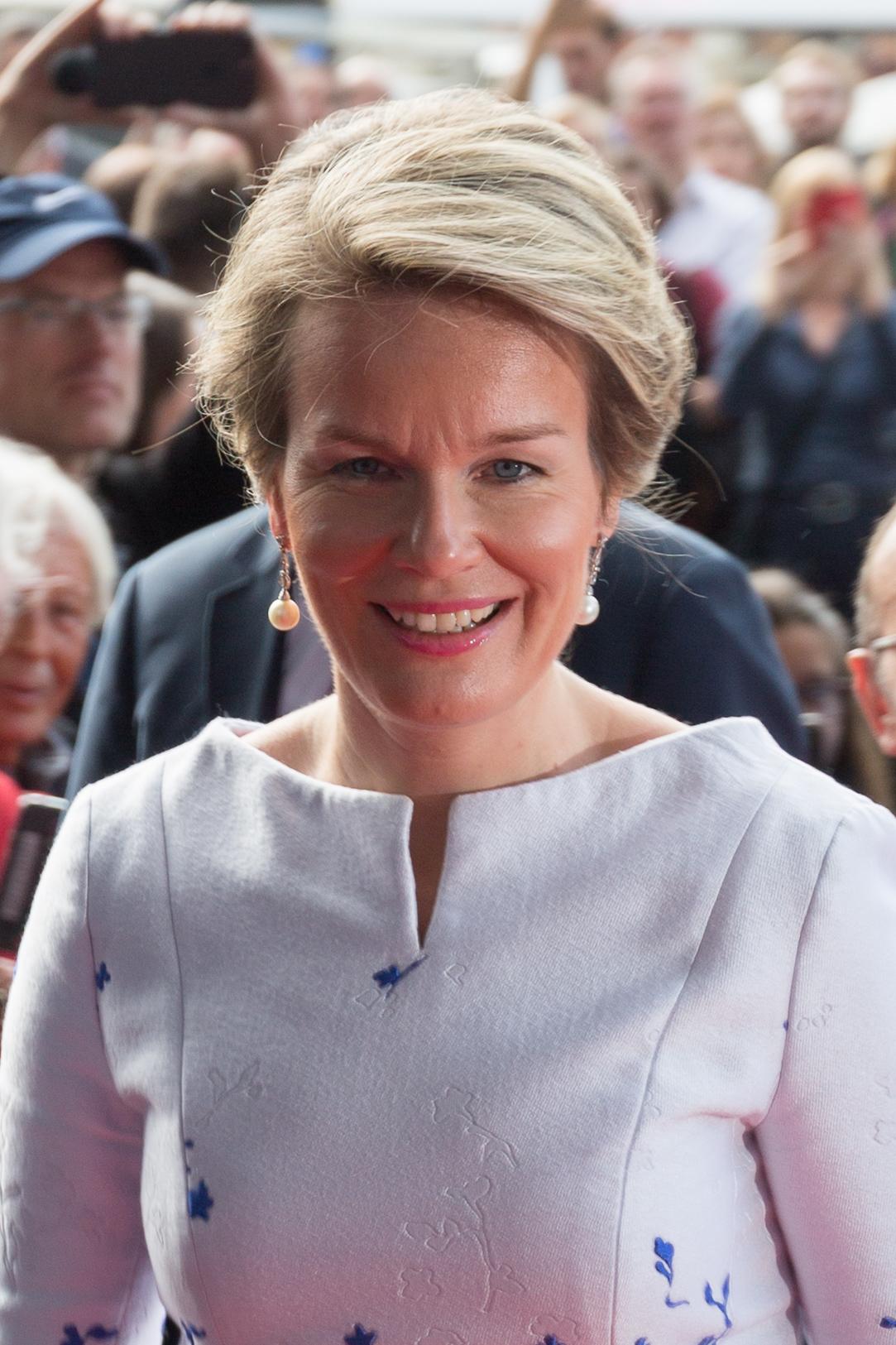 Queen Mathilde of Belgium - Wikipedia a16cac3d2