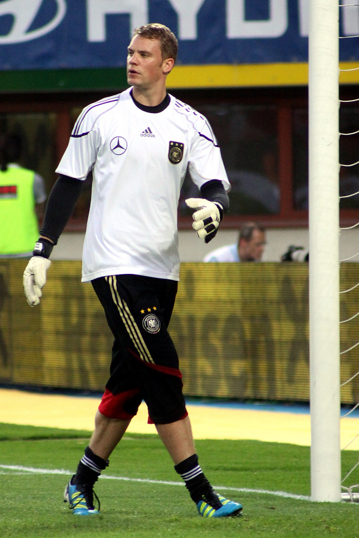 File Manuel Neuer Germany national football team 02