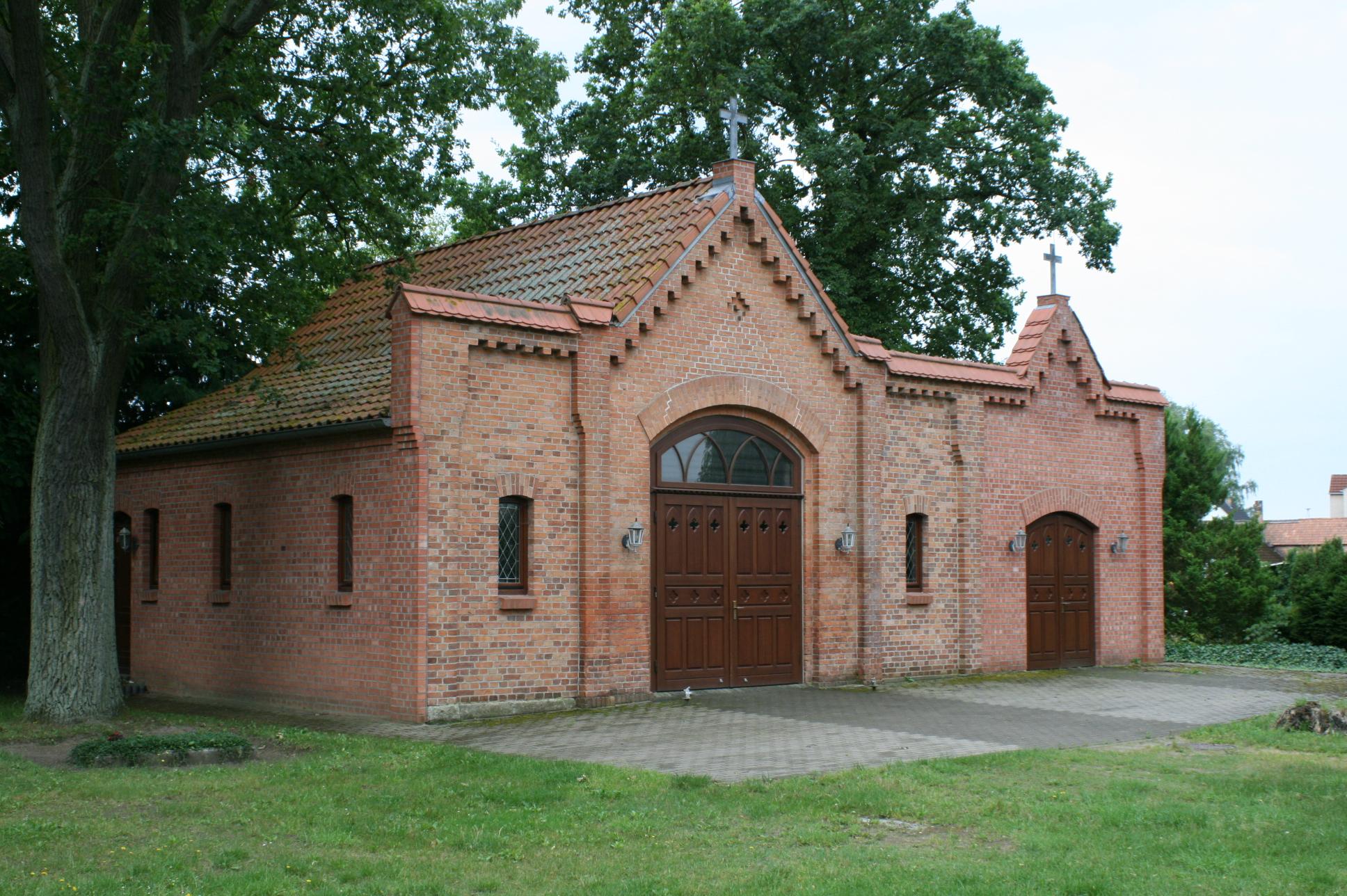FileMirow Wesenberger Str Friedhof 01JPG