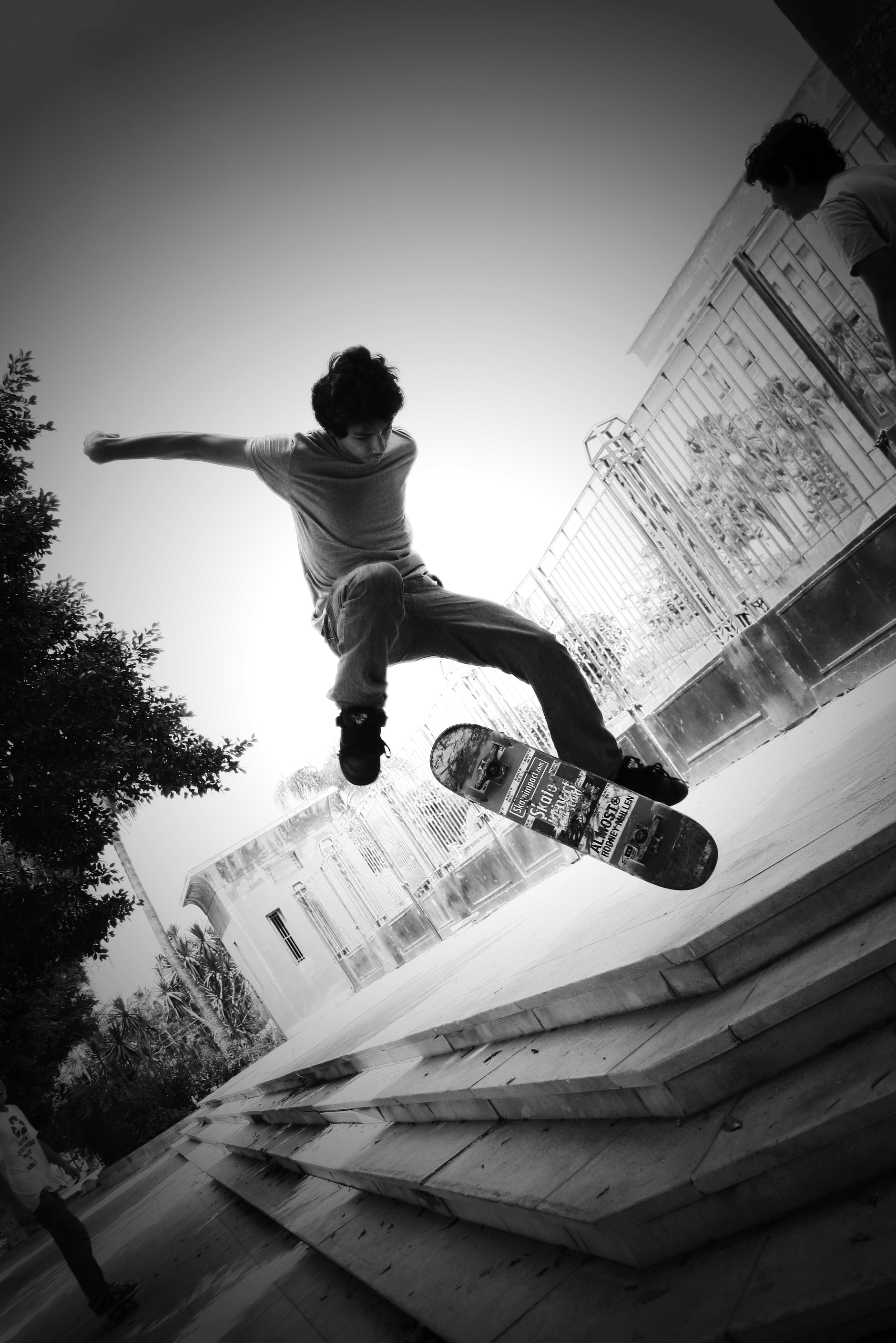 File:Moe Photography Skateboarding.jpg
