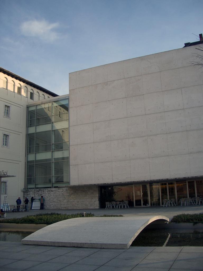 Museo de arte contemporáneo Patio Herreriano.jpg