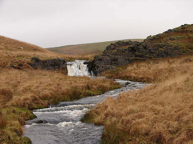 File:Nant y Maen Waterfall - geograph.org.uk - 290927.jpg