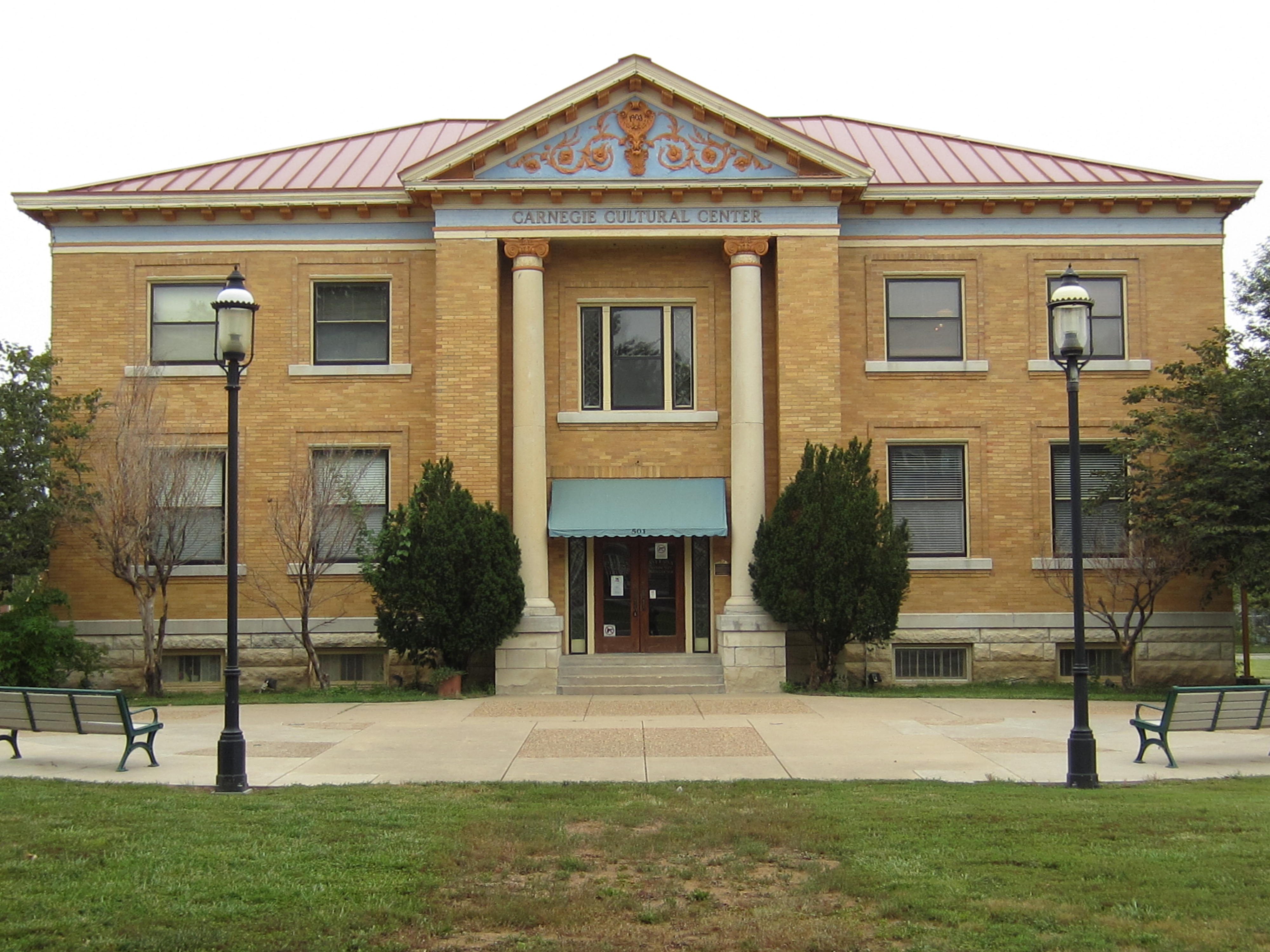 File:Ottawa, KS former public library building funded by
