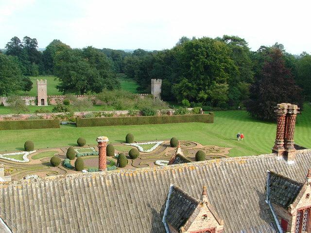 Oxburgh Hall - geograph.org.uk - 306473
