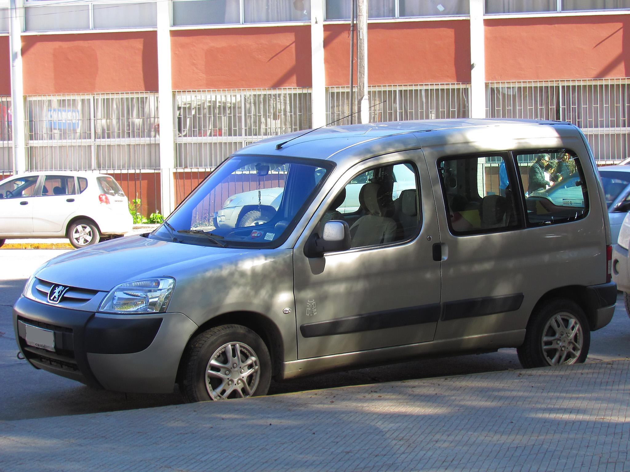47f3b3f2ea3 File:Peugeot Partner 1.6 HDi Totem 2008 (10750759753).jpg ...