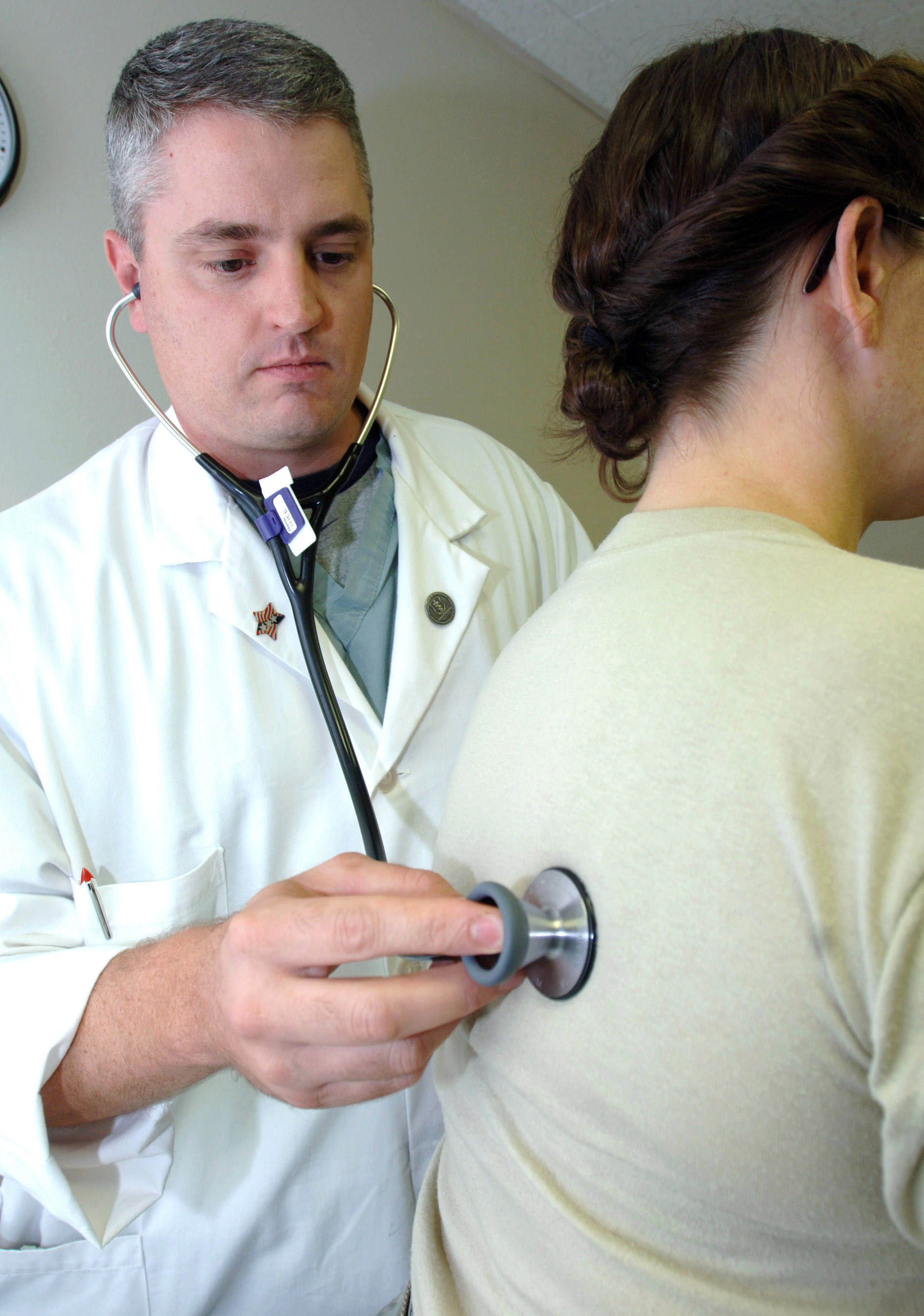 File:Physical examination.jpg - Wikipedia, the free encyclopedia