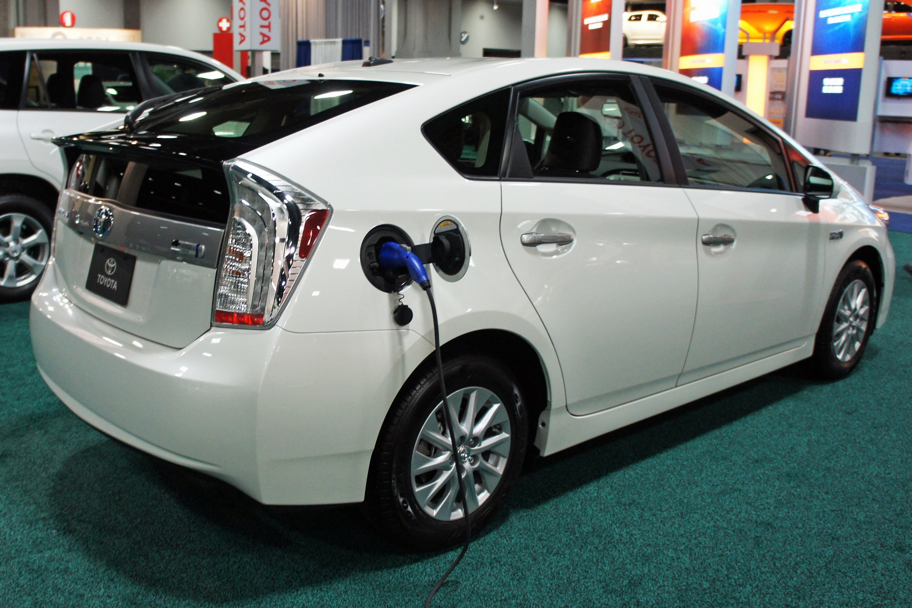 File:Prius Plug In Hybrid WAS 2012 0800.JPG