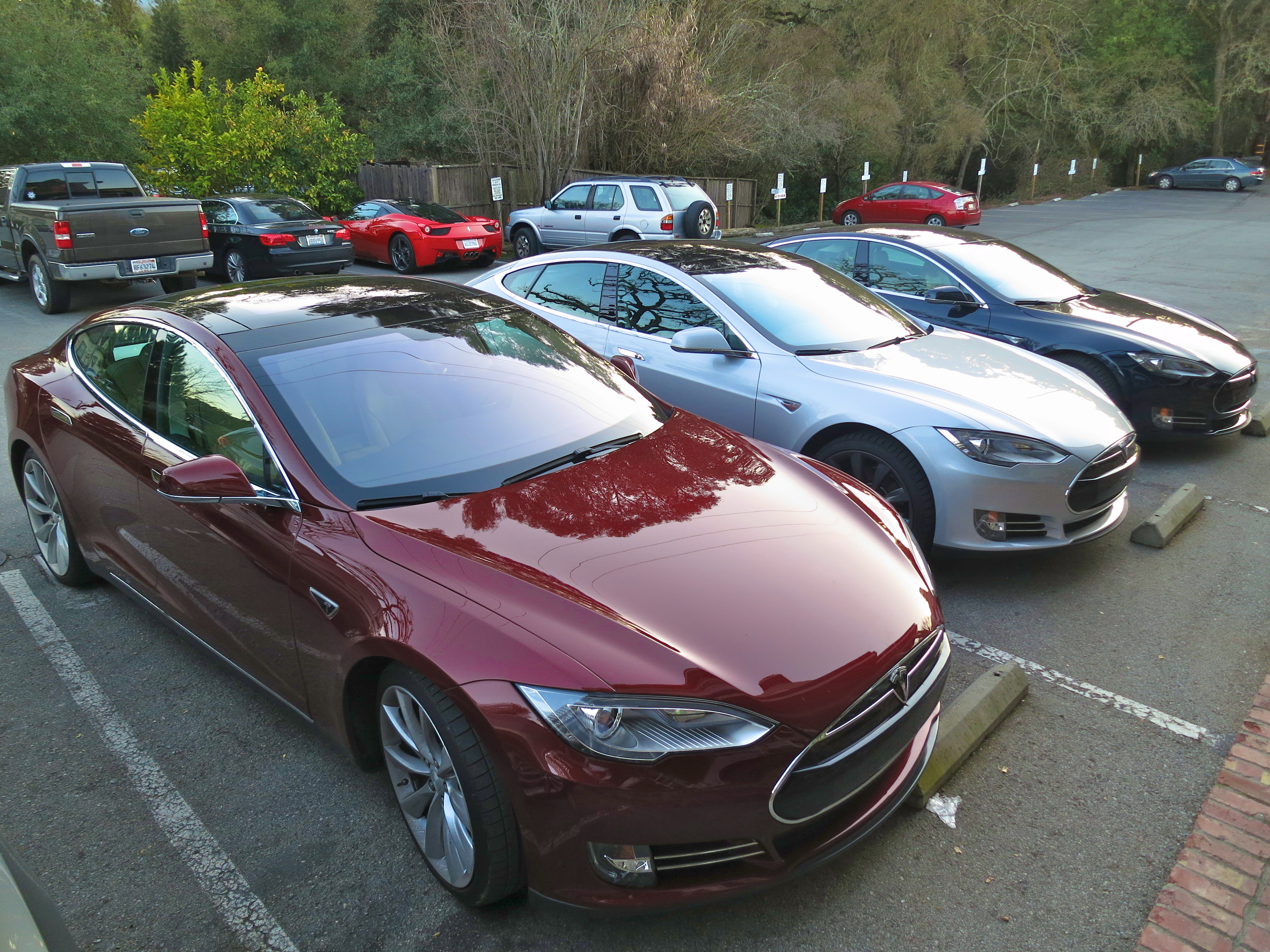 File green tesla model s at muir woods trimmed additionally Galerie in addition Jaguar Pace Concept Bev also 1050422 transformers 3 Has Another On Set Accident The Crash Of The Bumblebee further File Red  White and Blue  Tesla Model S. on tesla model 3 preview