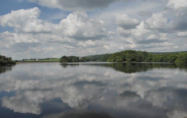 Rivington Reservoir - geograph.org.uk - 1535169
