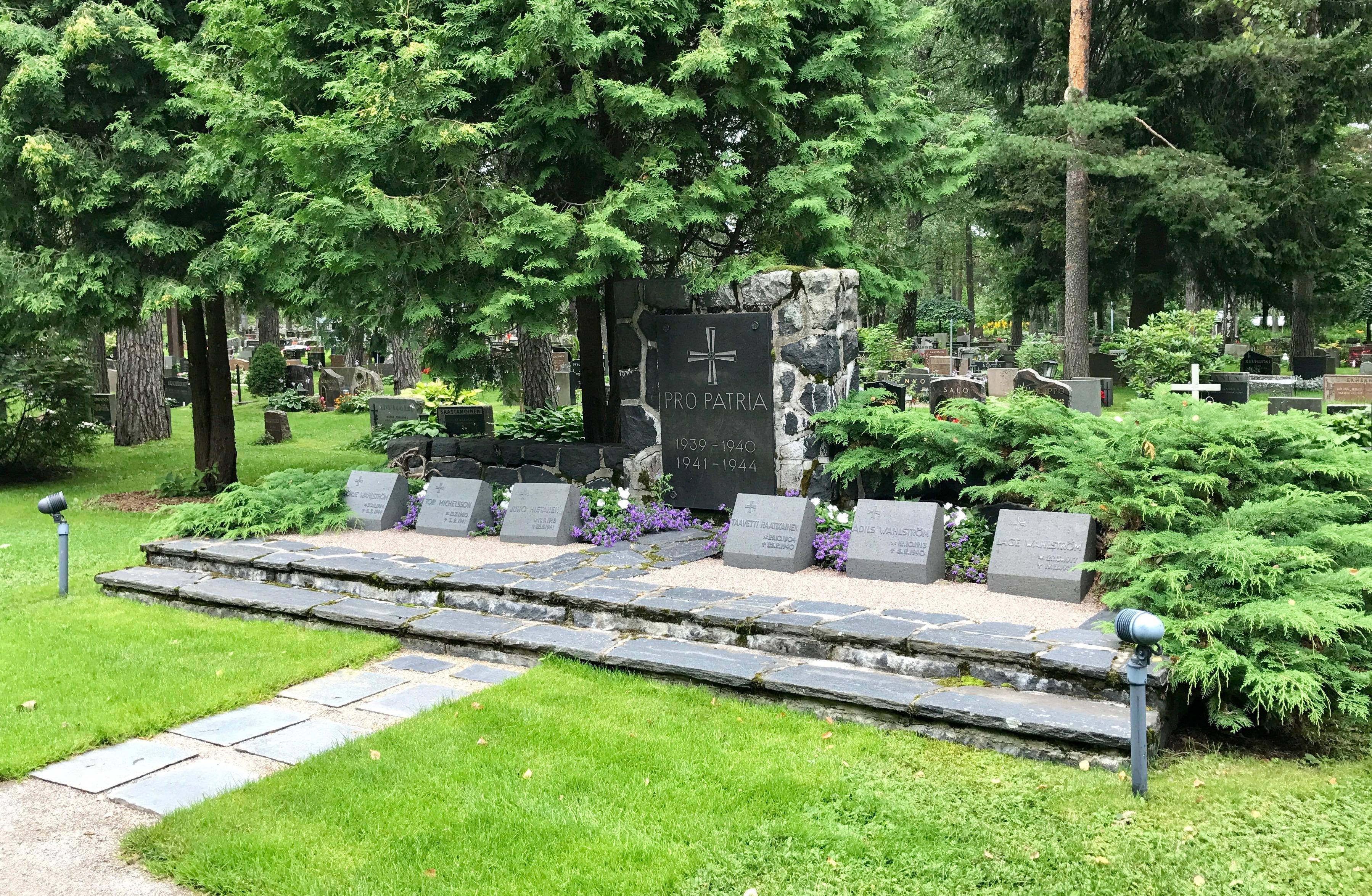 ruskeasannan hautausmaa