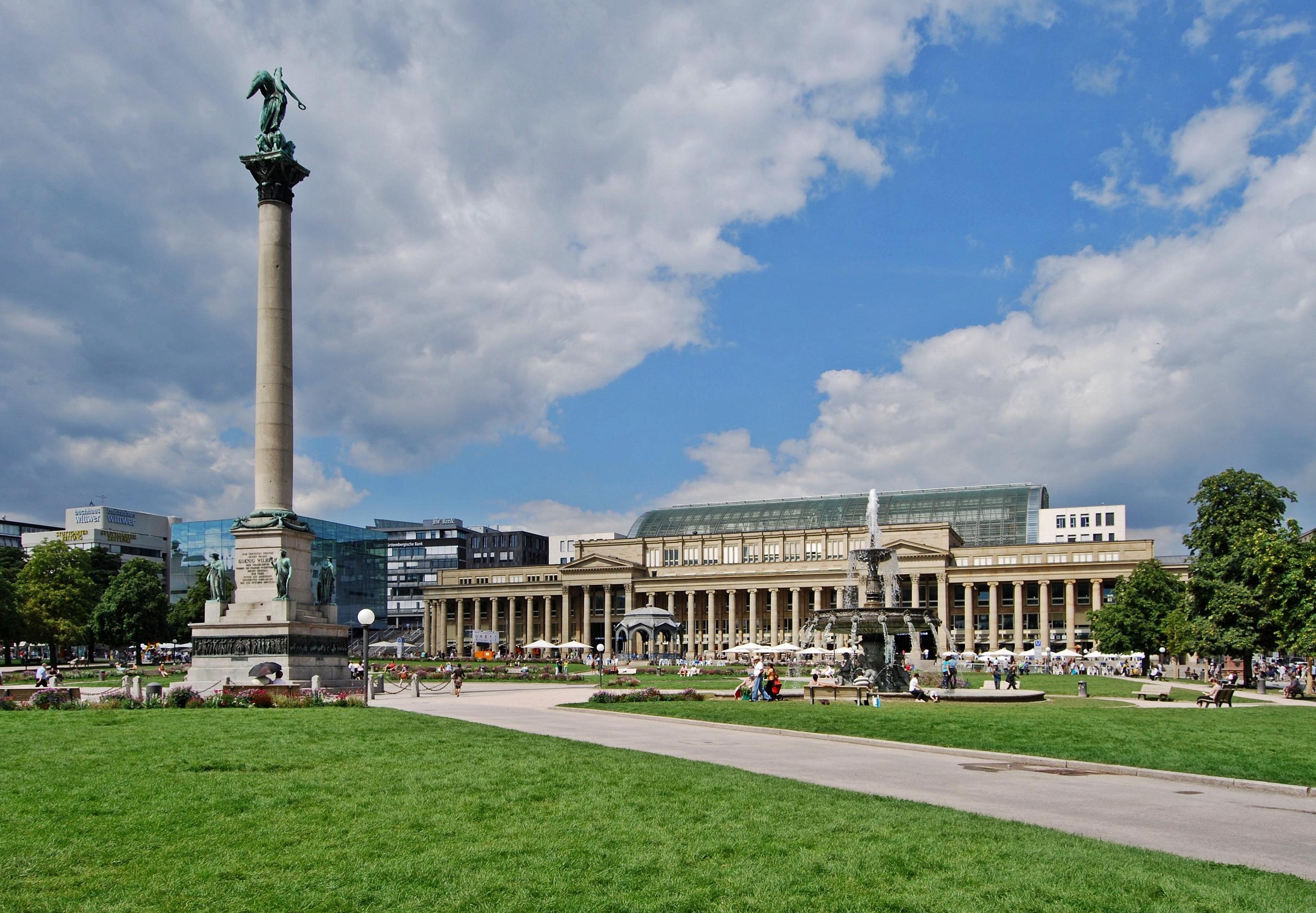 File:Schloßplatz Stuttgart 2010.jpg - Wikimedia Commons