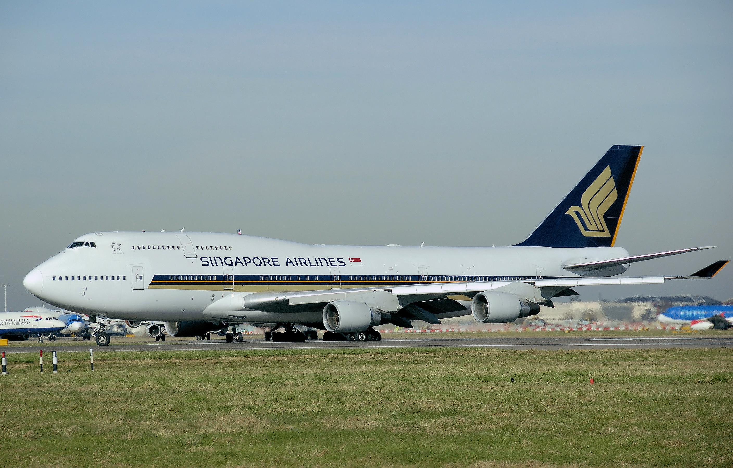 File:Singapore b747-400 9v-spo onground arp.jpg ...
