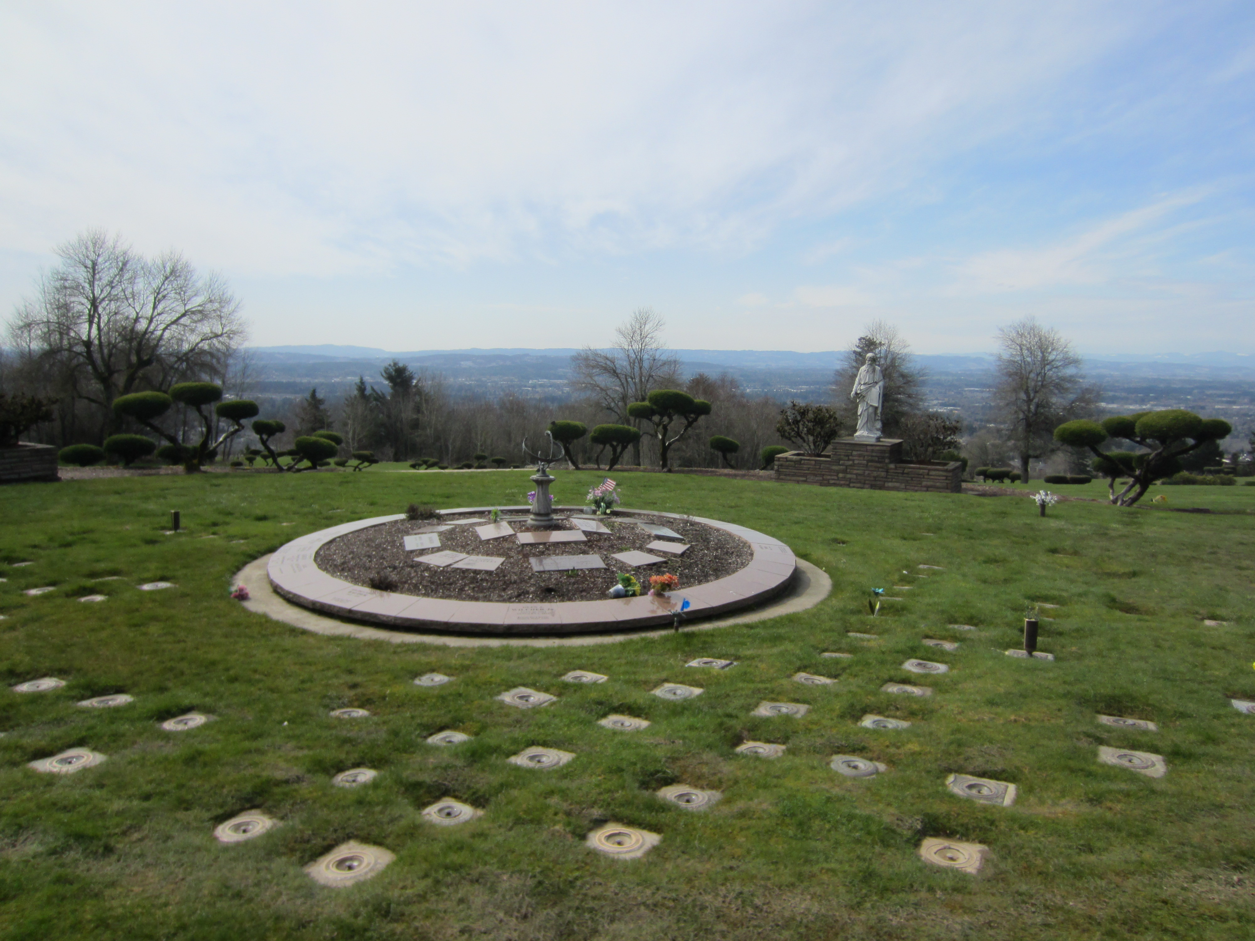 File Skyline Memorial Gardens And Funeral Home Portland 2012 12 Jpg Wikimedia Commons