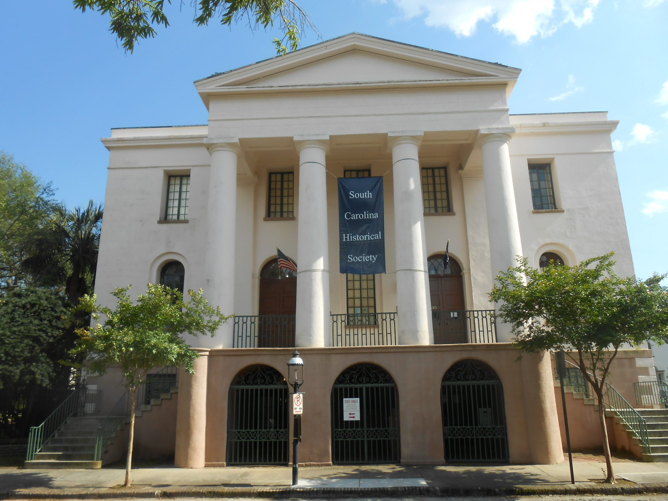 south carolina history beginnings The history of charleston, south carolina, is one of the longest and most diverse of any community in the united states, spanning hundreds of years of physical settlement beginning in 1607 through modern times.