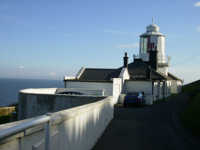 South Whitby lighthouse near Whitestone Point - geograph.org.uk - 266361