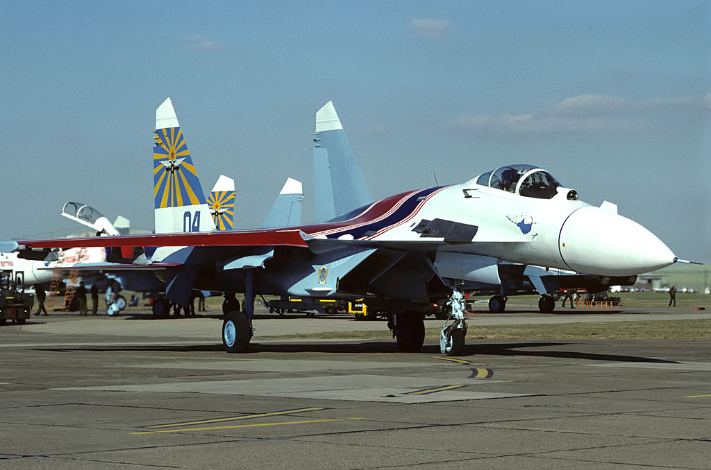 File:Sukhoi Su-27P of Russian Knights in 1991.jpg - Wikimedia Commons