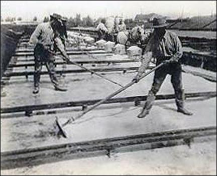 Solar salt workers