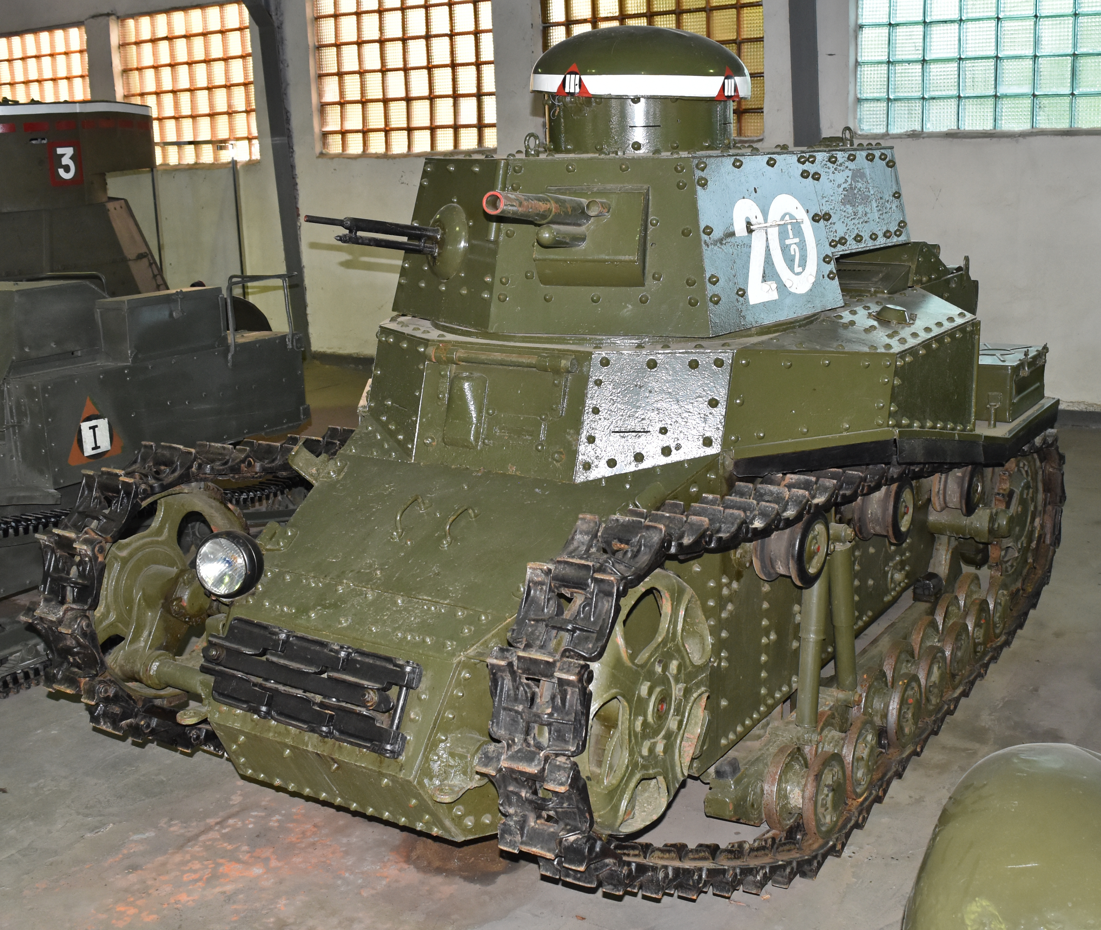 T-18_(MS-1)_Light_Tank_'20_1-2'_(3752153