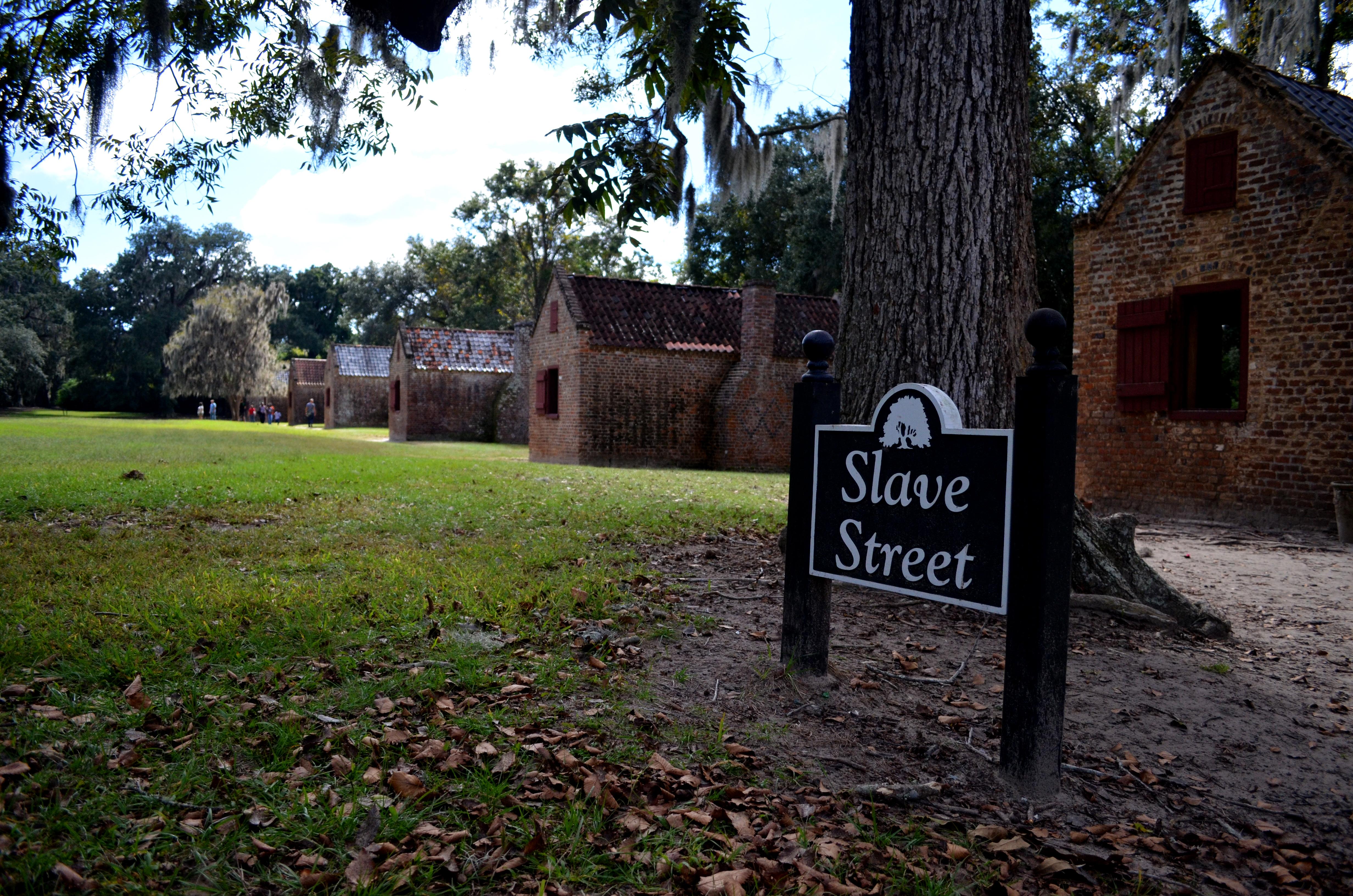 File The Boone Hall Plantation Slave Street Jpg