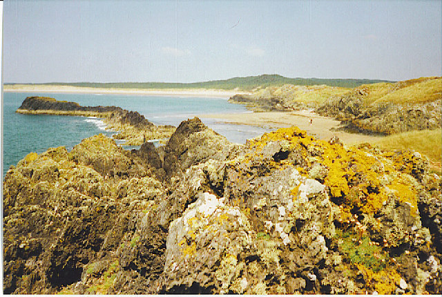 File:The shore at South Rhosneigr - geograph.org.uk - 107013.jpg