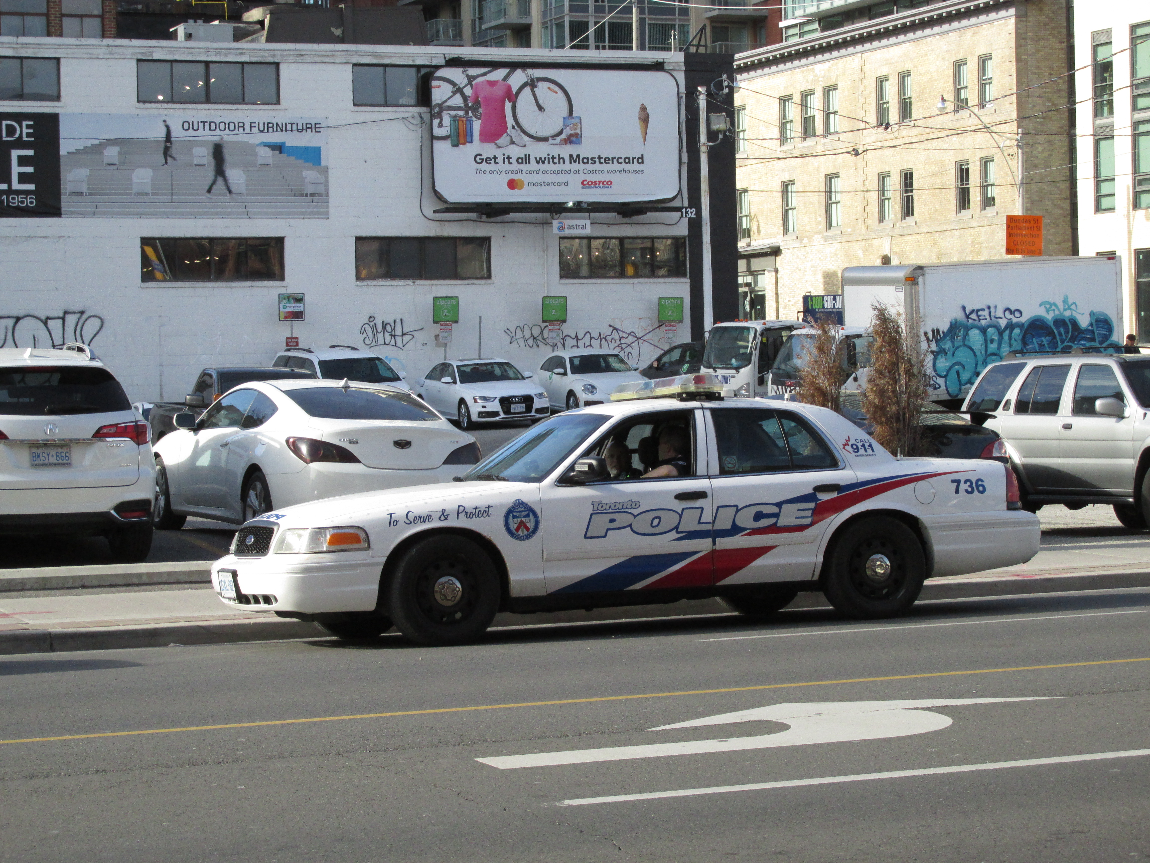 6890a8dec File:Toronto Police Cruiser 736.jpg - Wikimedia Commons