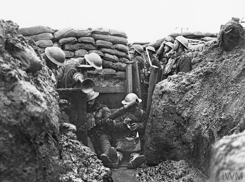 Фото ниже, 1915, русская пехота в окопах и хватит пожалуй разве что песню в тему