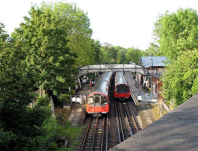 West Finchley Station - geograph.org.uk - 453645