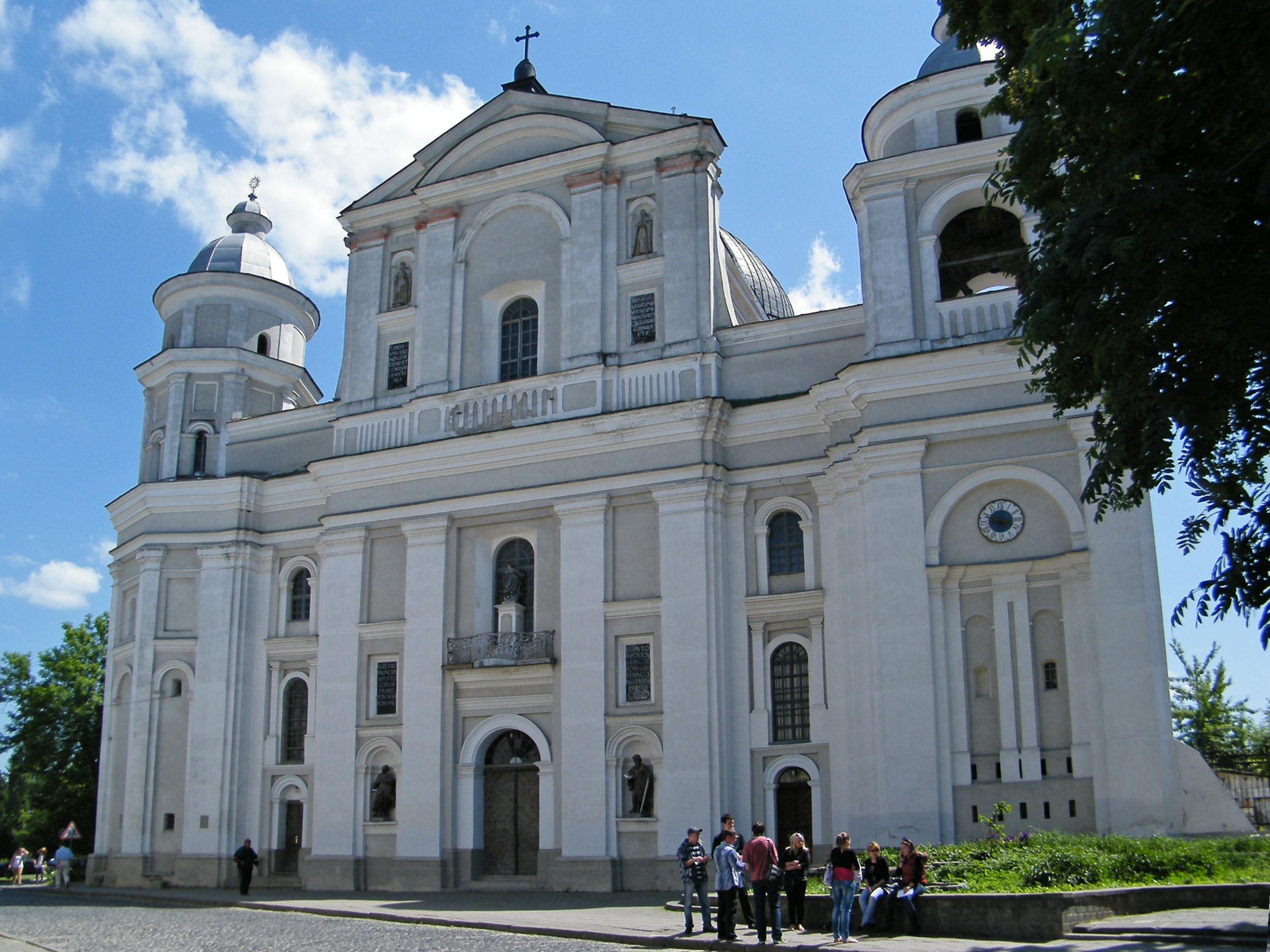 Собор Святых Петра и Павла (Луцк) — Википедия
