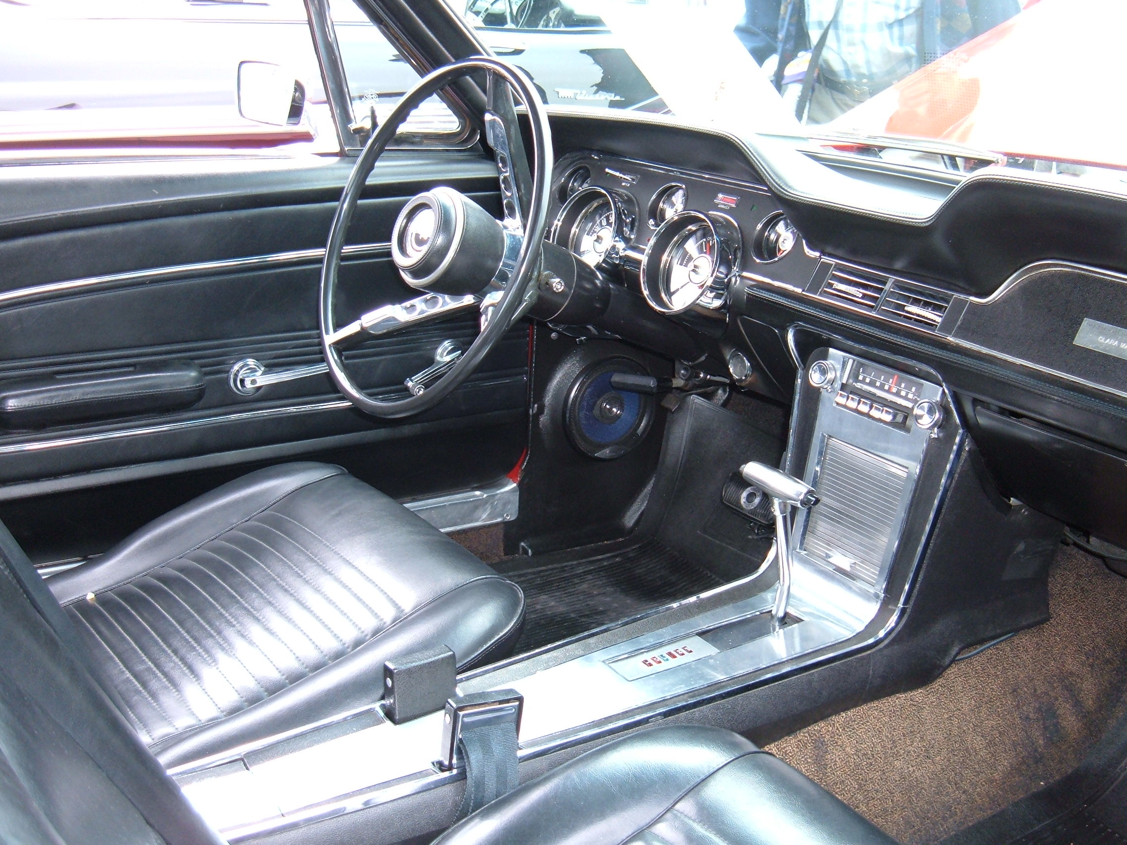 File 1967 Red Ford Mustang Coupe Interior Jpg Wikimedia Commons