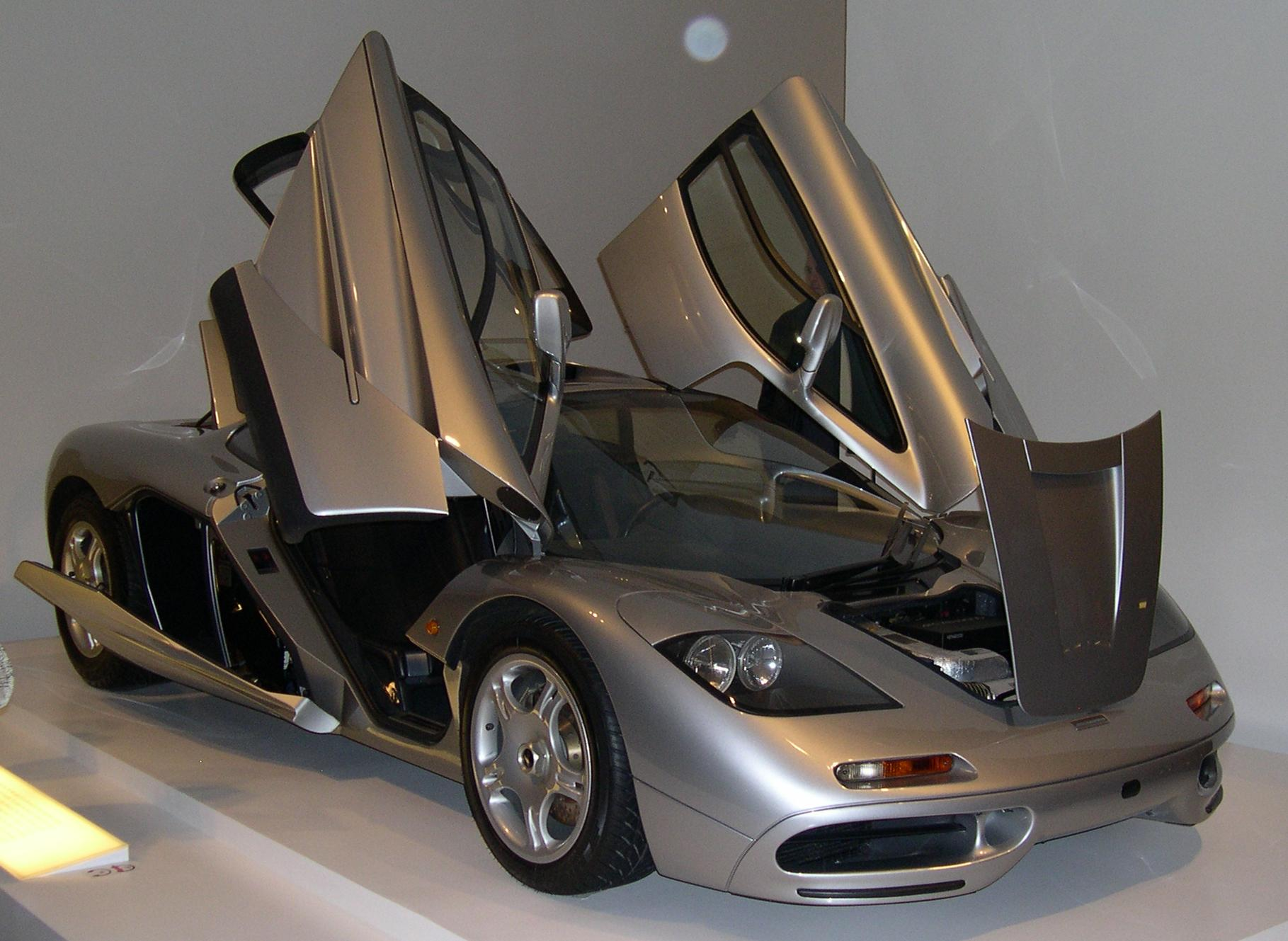 Mclaren F1 Sports Cars Facts