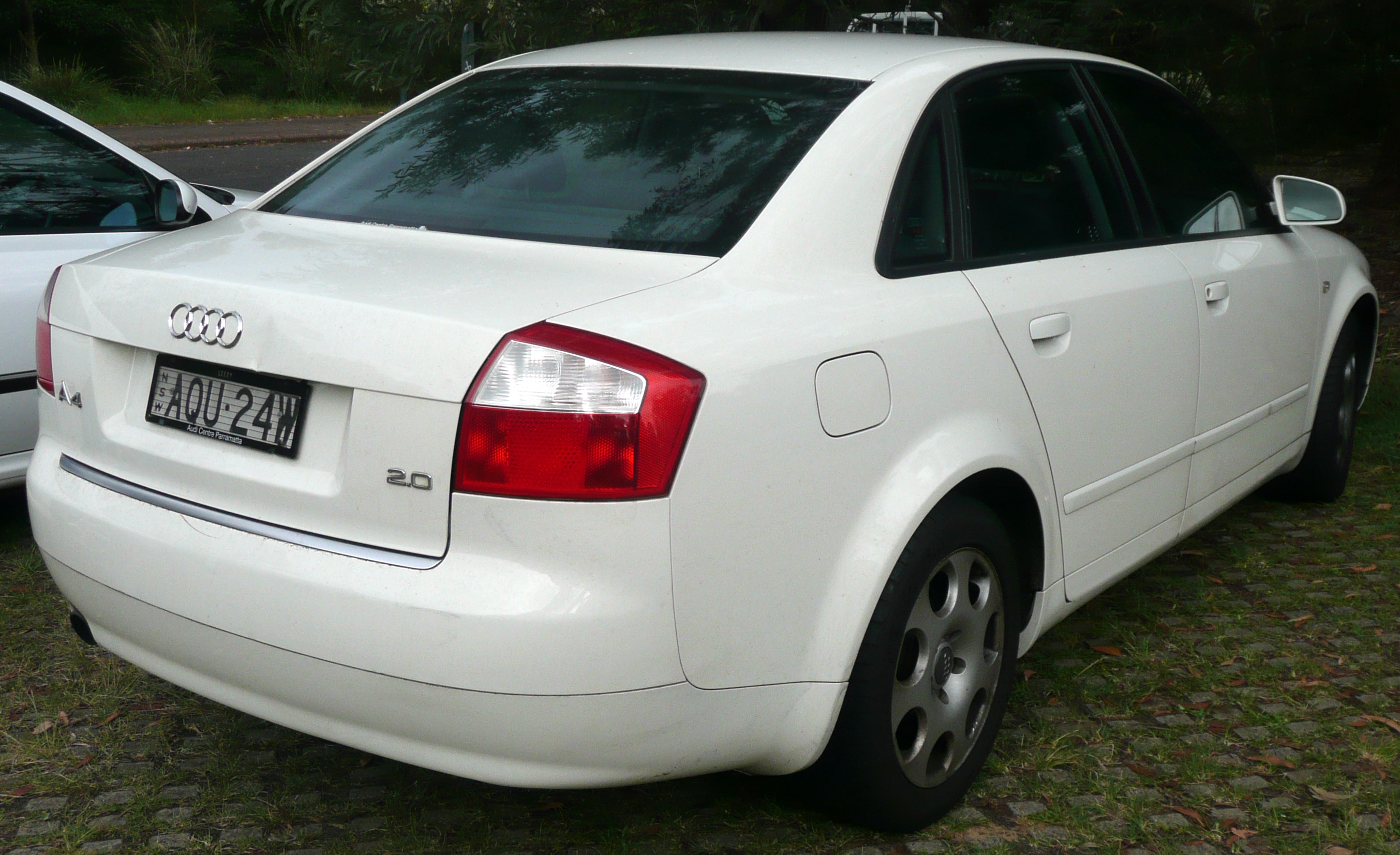File 2001 2005 Audi A4 8e 2 0 Sedan 02 Jpg Wikimedia