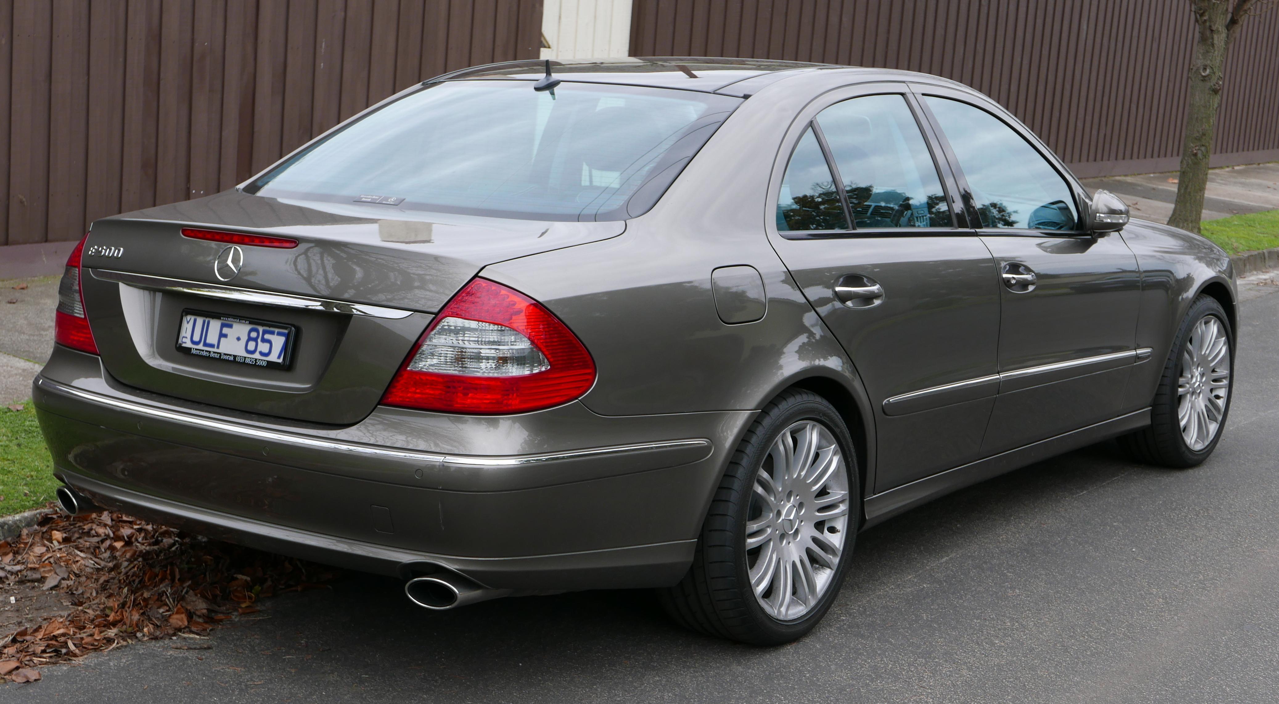 File 2006 Mercedes Benz E 500 W 211 My07 Avantgarde