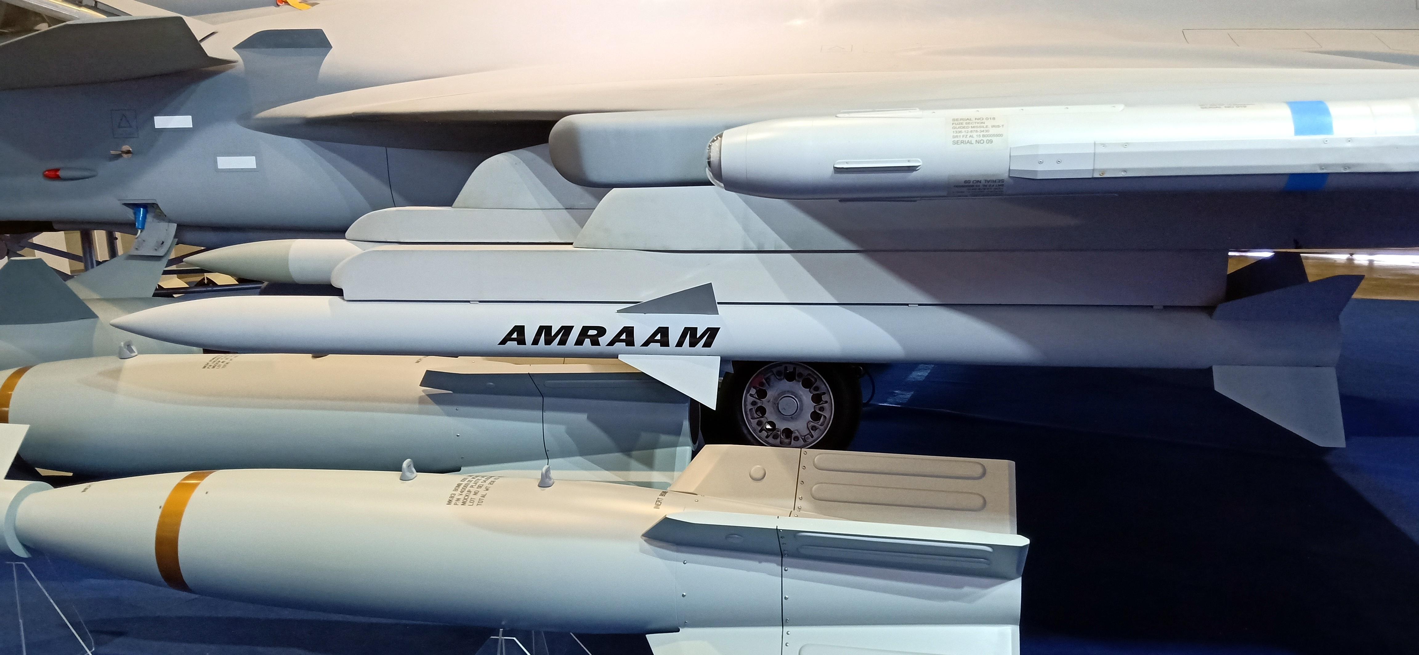 File:AIM-120 AMRAAM Missile at ADAS 2018.jpg - Wikimedia Commons