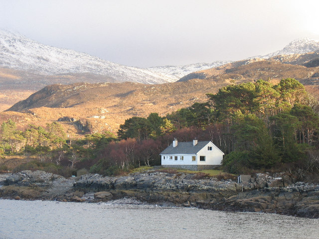File:A remote house on the shore of Loch Ailort - geograph.org.