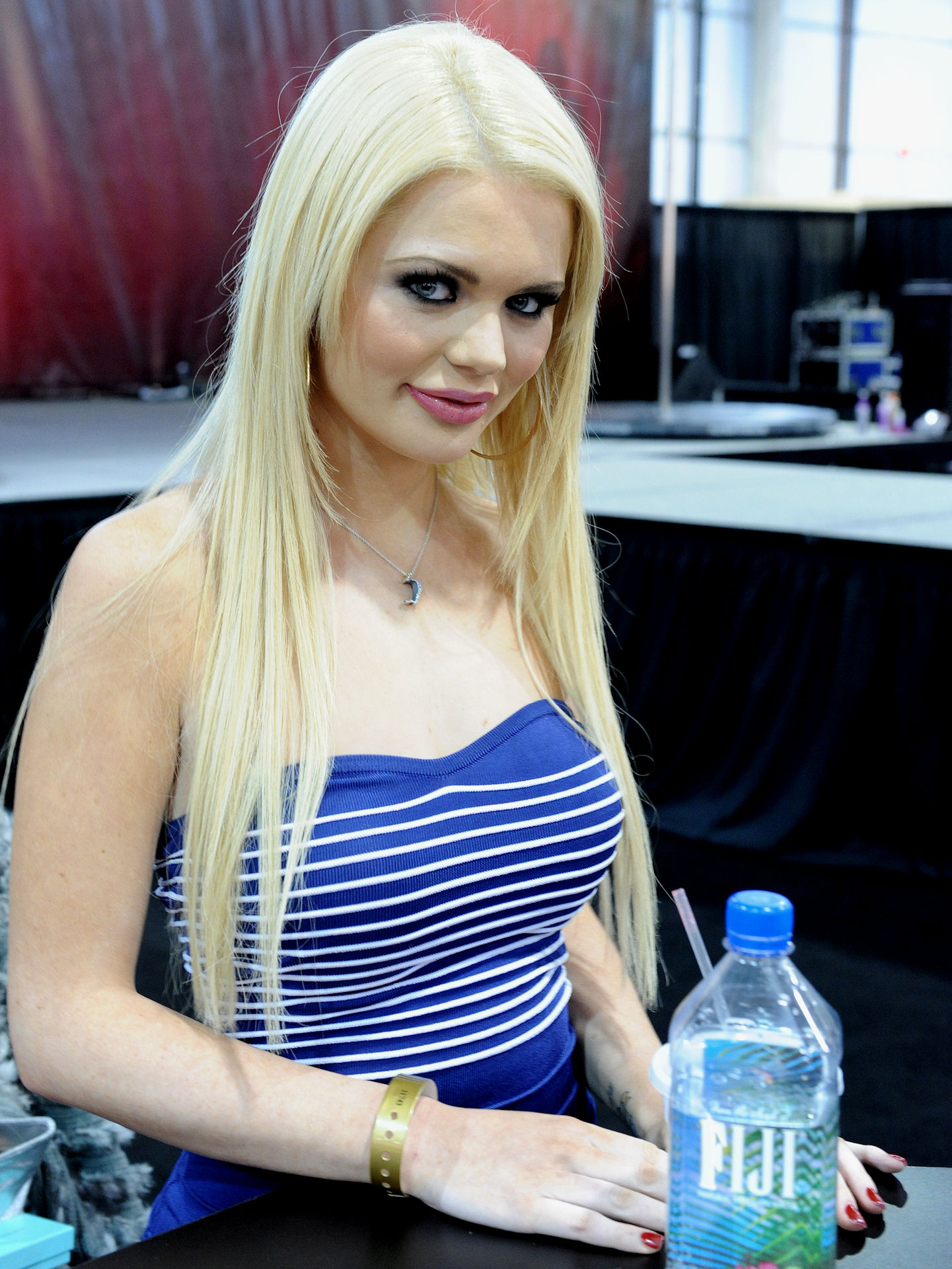 Alexis Ford file:alexis ford at avn adult entertainment expo 2011