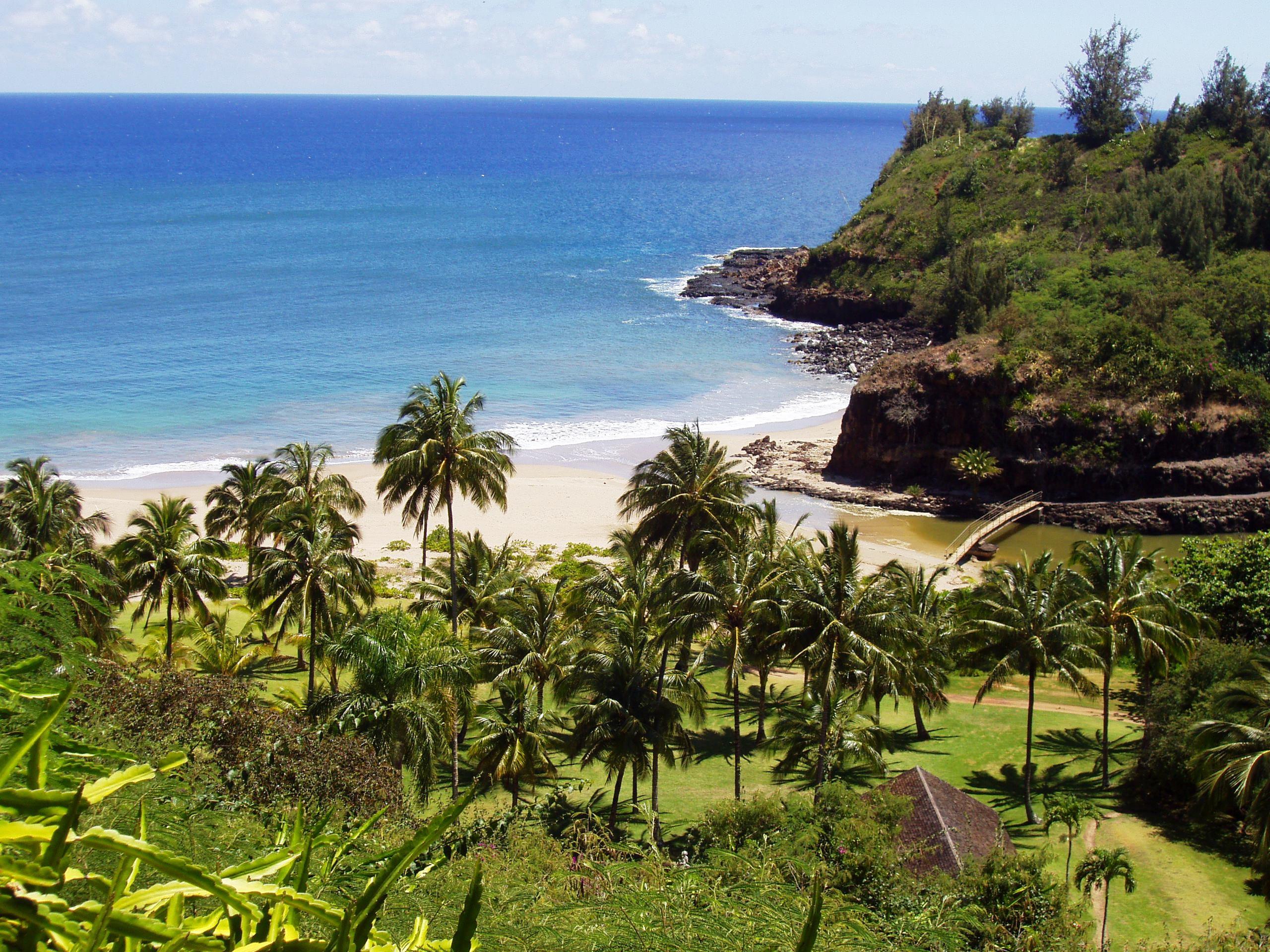File allerton garden kauai hawaii view into valley jpg - National tropical botanical garden kauai ...