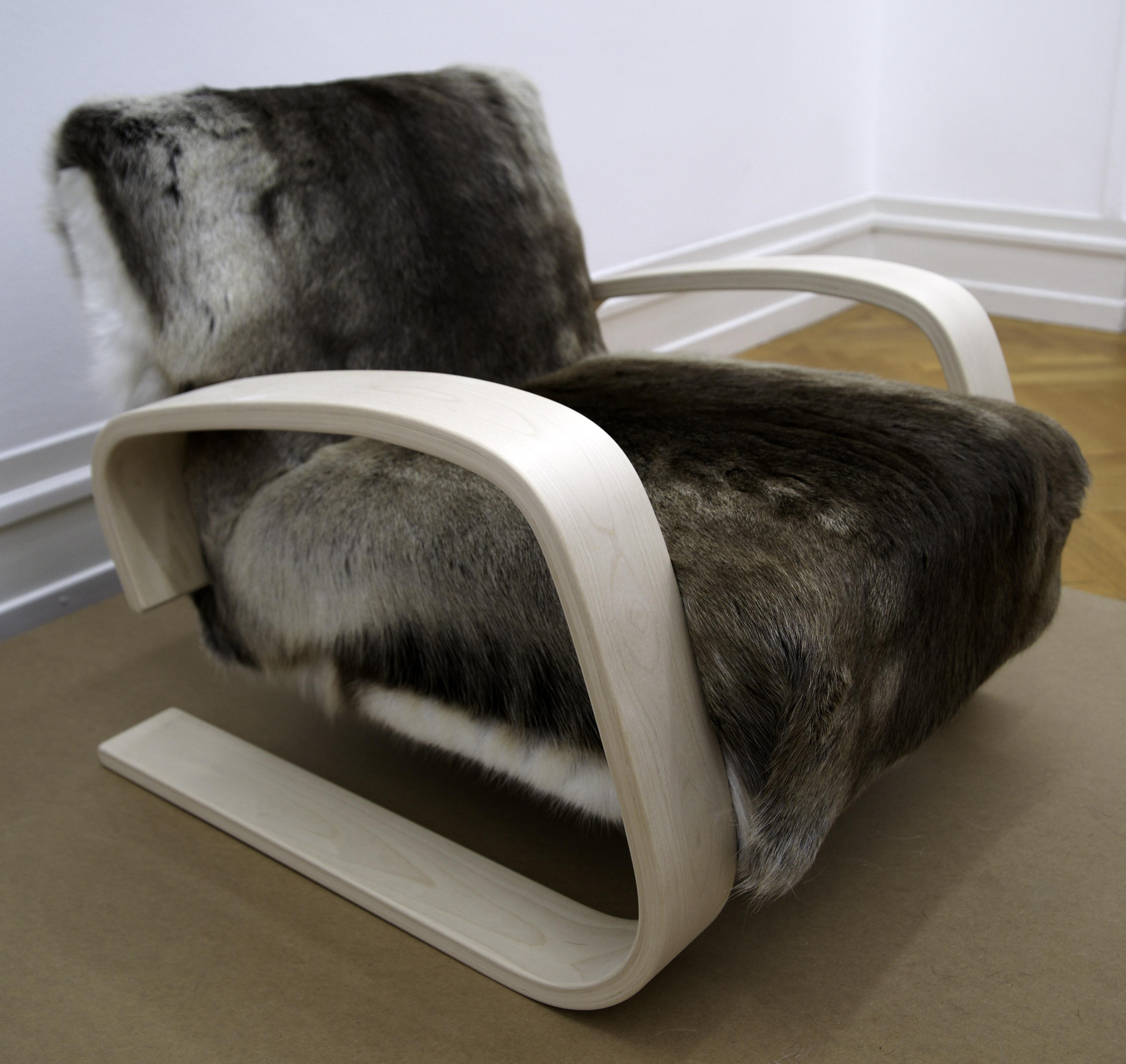 File Alvar Alto Tank Chair Armchair 400 Wikimedia mons