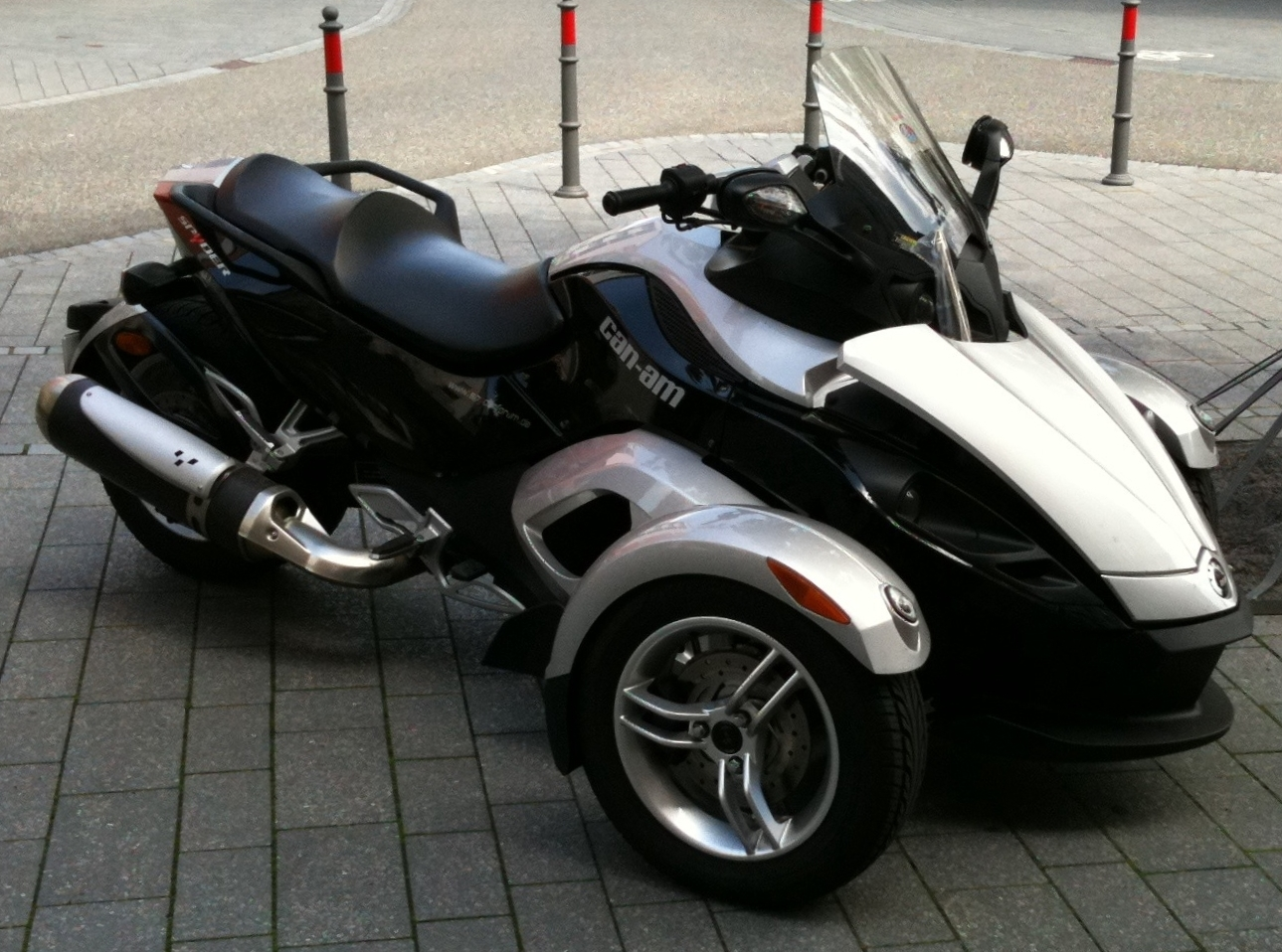 File Brp Can Am Spyder Roadster 20100810a Jpg Wikimedia Commons