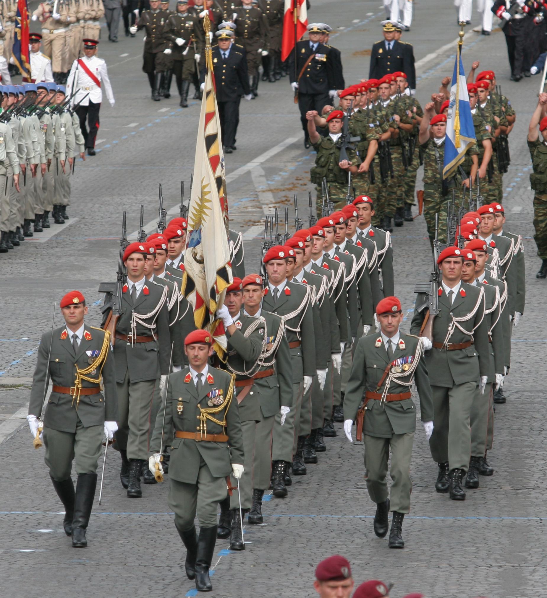 Bataillon_de_la_garde_autrichienne.jpg