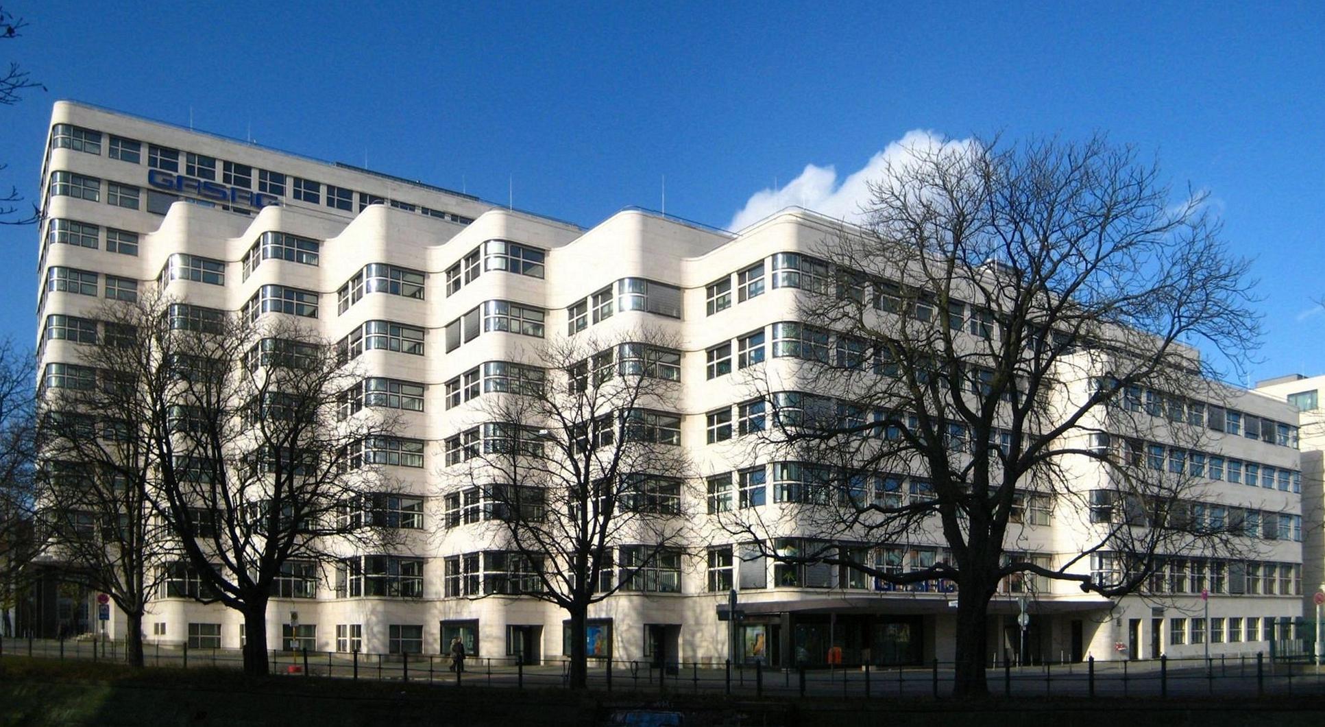 File:Berlin, Tiergarten, Reichpietschufer, Shell-Haus.jpg ...