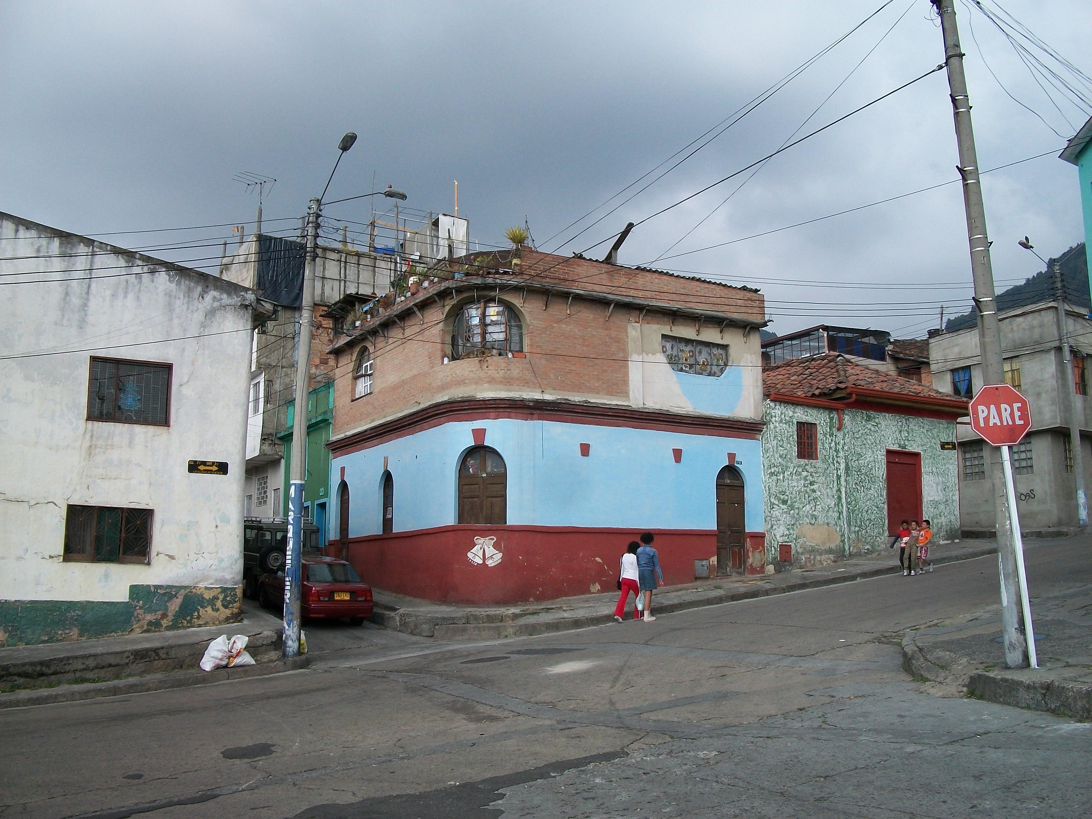 File bogot barrio la perseverancia sector norte jpg for Barrio ciudad jardin norte bogota
