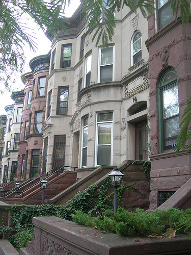 File:Brooklyn brownstones in Stuyvesant Heights built between 1870-1899.jpg