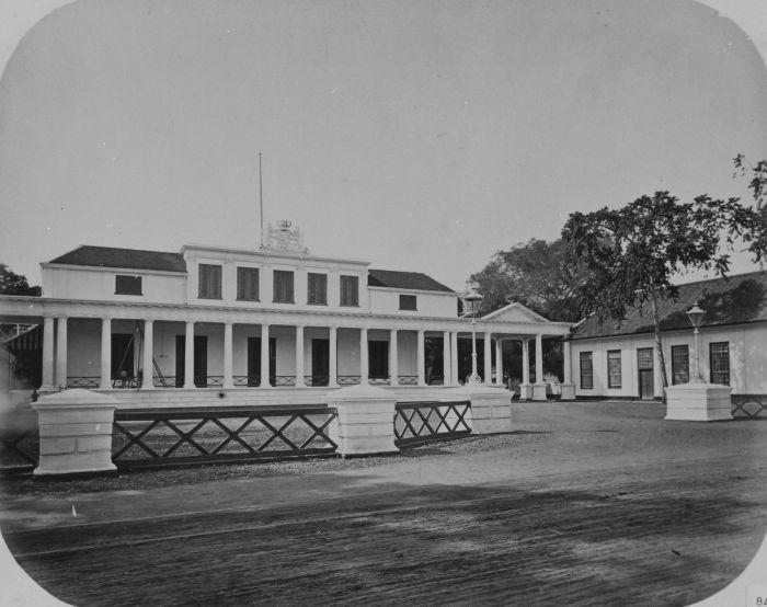 Berkas:COLLECTIE TROPENMUSEUM Het paleis van de gouverneur-generaal in Rijswijk Batavia TMnr 60043591.jpg