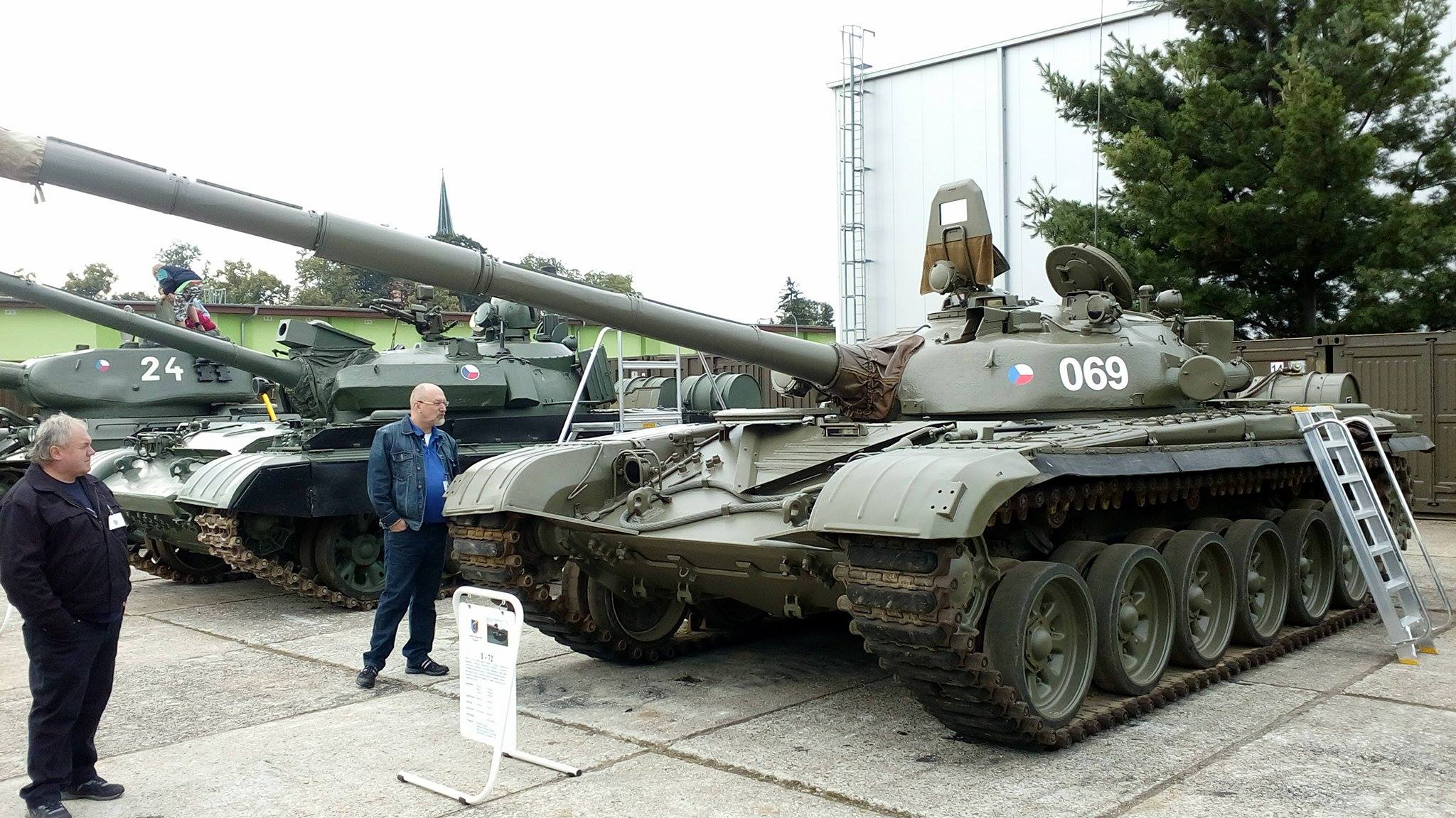 CZECH_ARMY_Tank_T-72-.jpg
