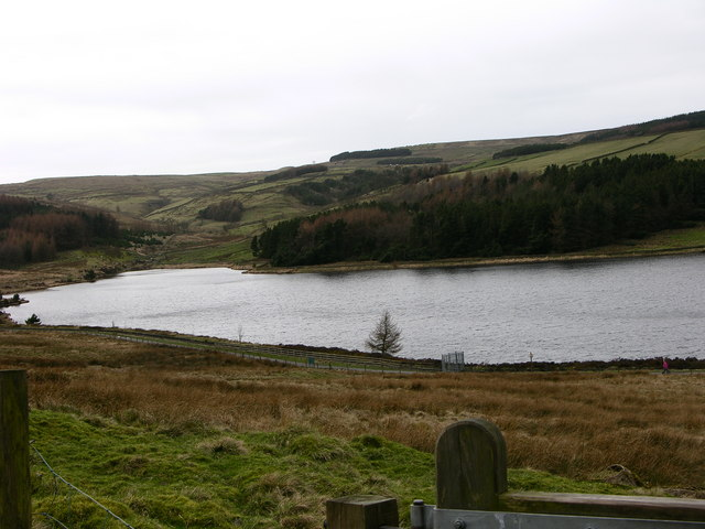 Calf hey Reservoir from Rossendale Way - geograph.org.uk - 363509