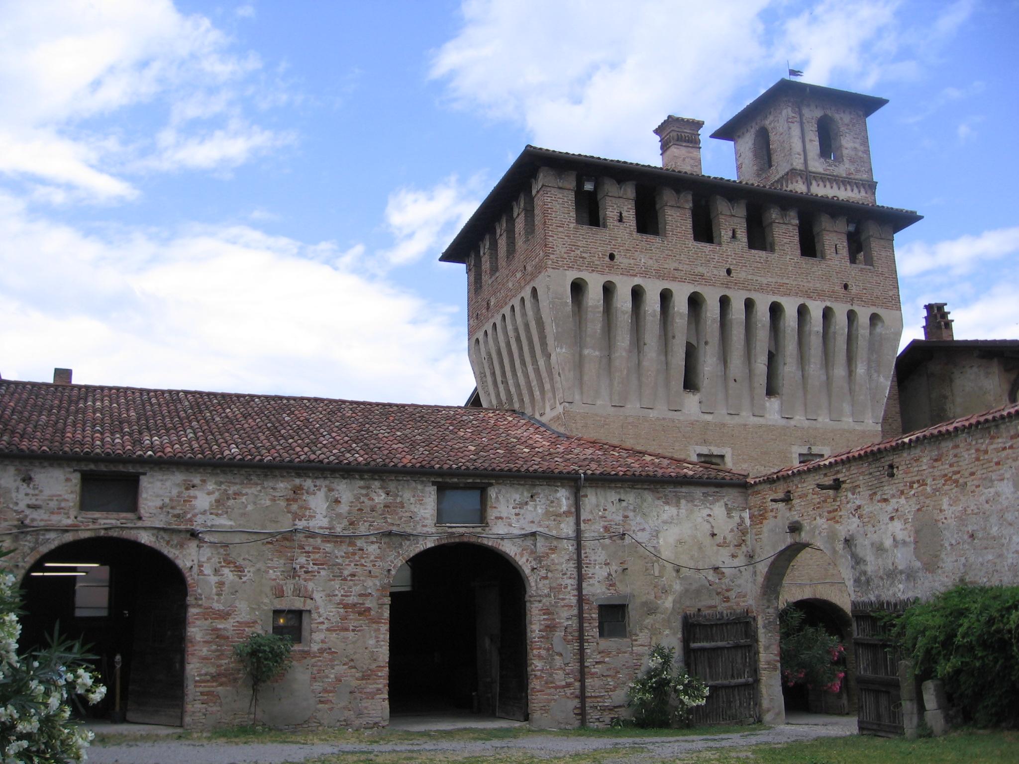 File:Castello Pagazzano (1).JPG - Wikimedia Commons